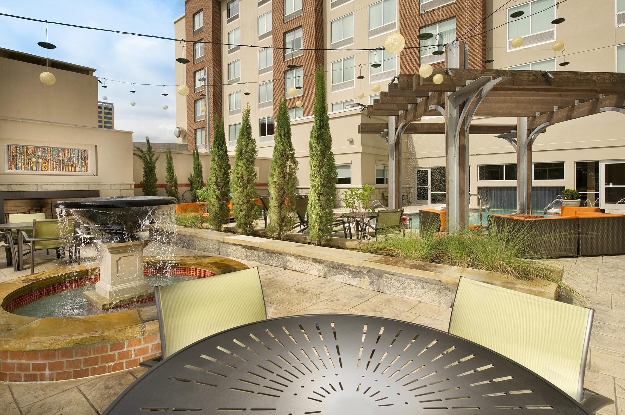 Hampton Inn Suites Chattanooga Downtown At 400 Chestnut Street Chattanooga Tn On Fave