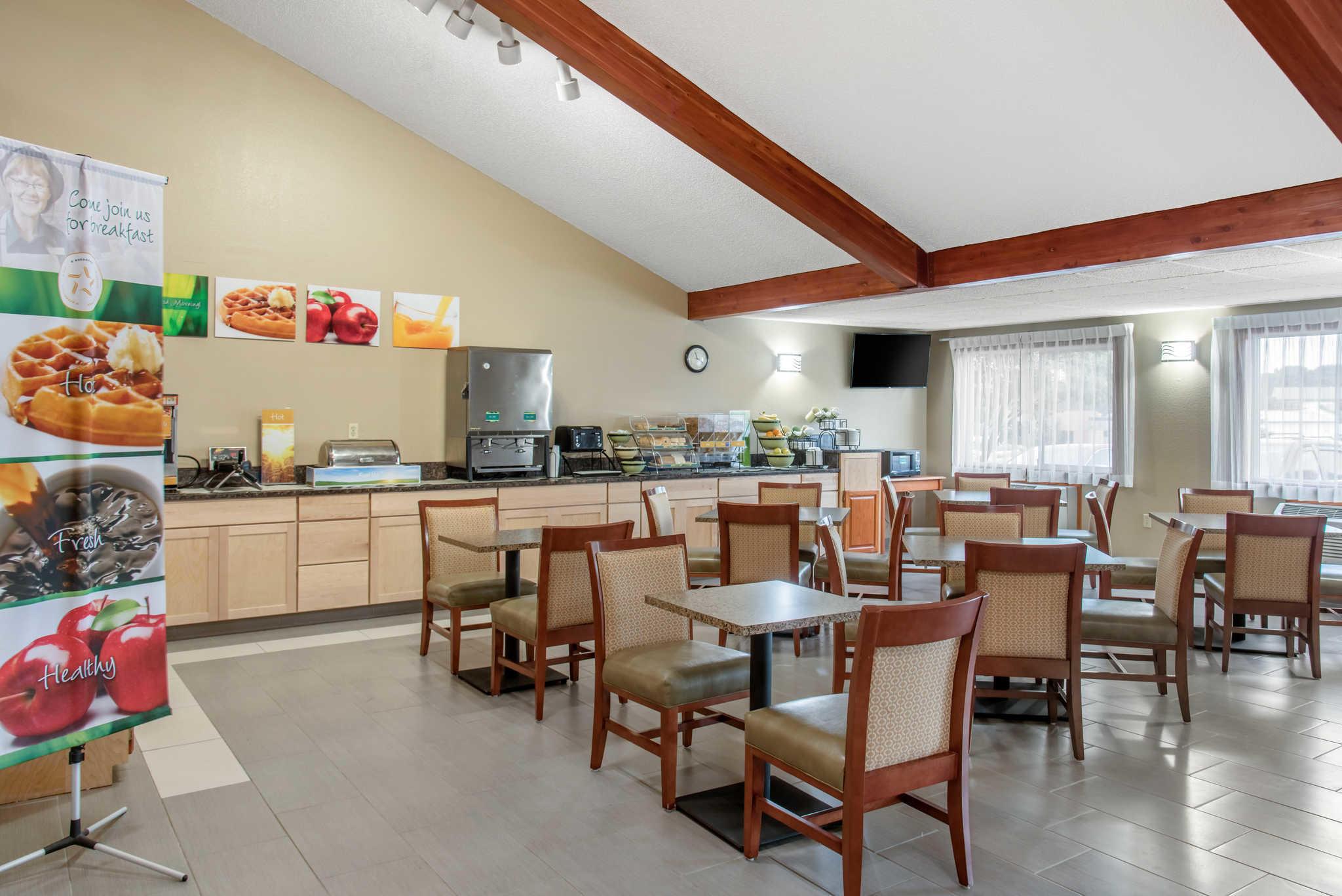 Quality Inn image 49
