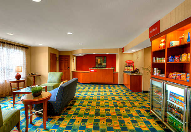 TownePlace Suites by Marriott Manchester-Boston Regional Airport image 1