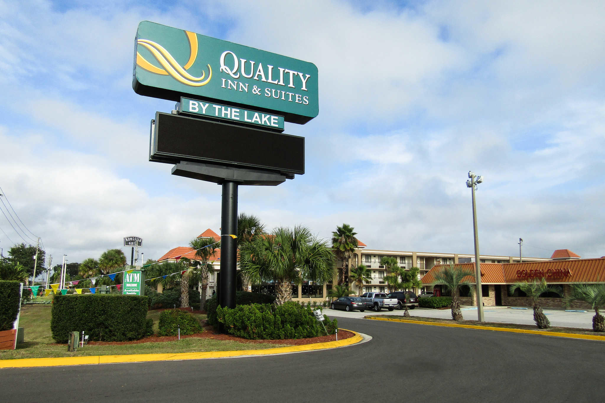 Quality Inn & Suites Kissimmee by The Lake image 4