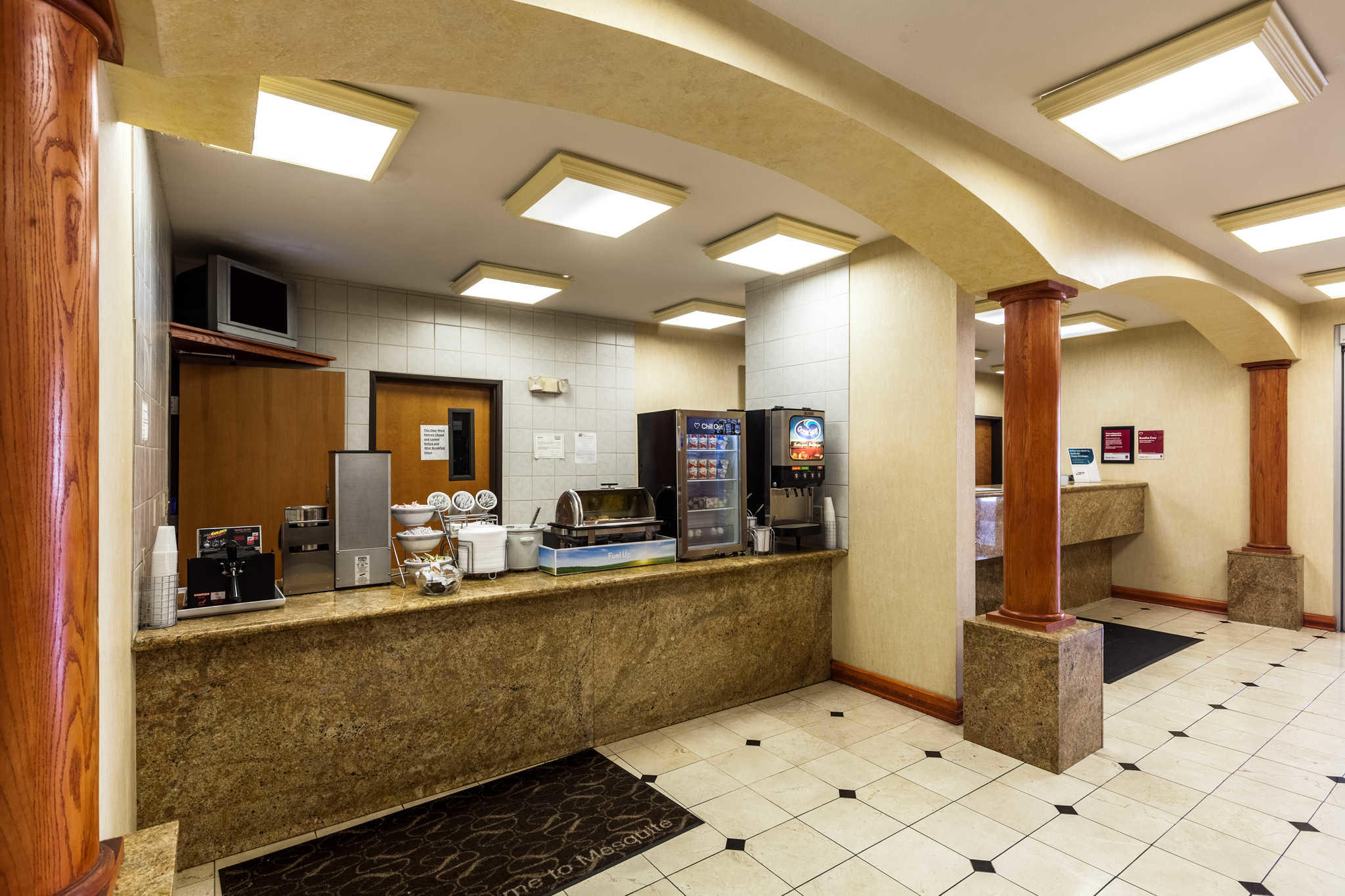 Comfort Suites Mesquite image 29