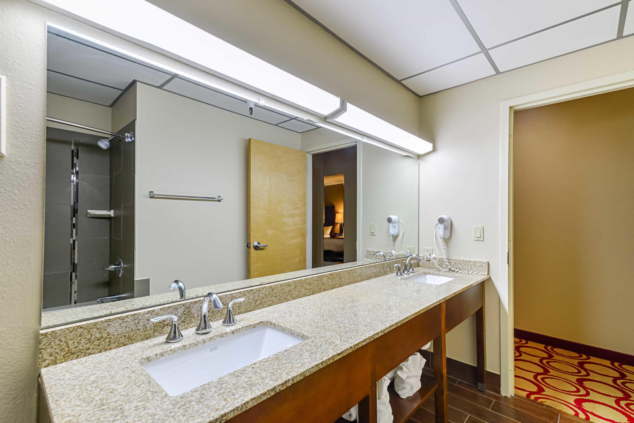 Comfort Suites image 39