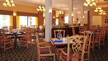 Fort Magruder Hotel and Conference Center image 6