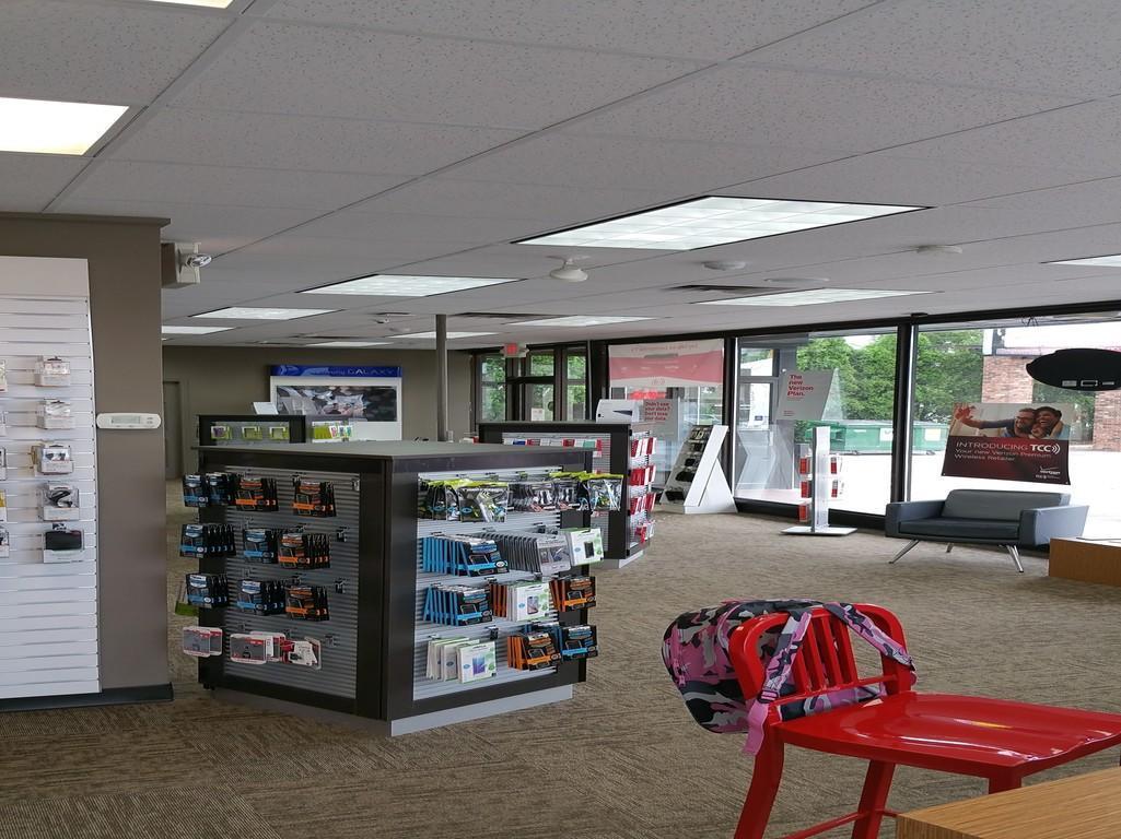 Verizon Authorized Retailer, TCC image 4