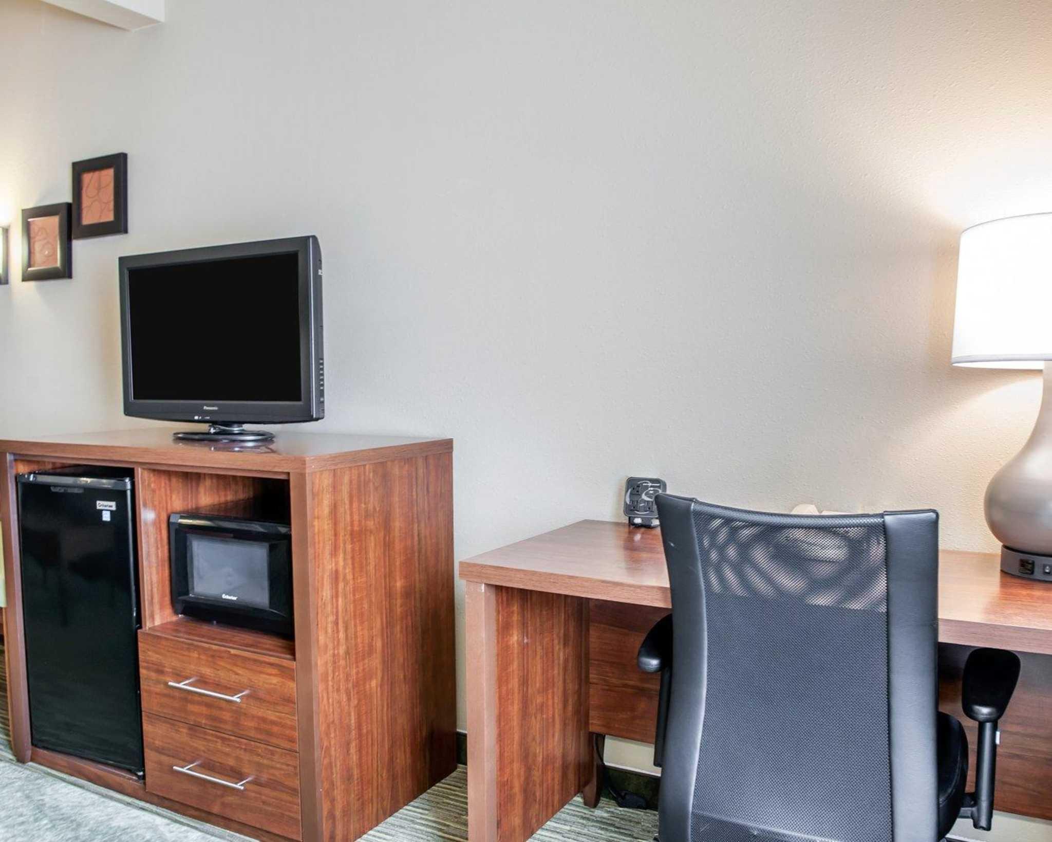 Comfort Suites North in Elkhart, IN, photo #14