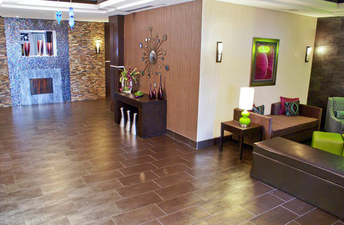 Holiday Inn Express & Suites Houston NW Beltway 8-West Road image 3