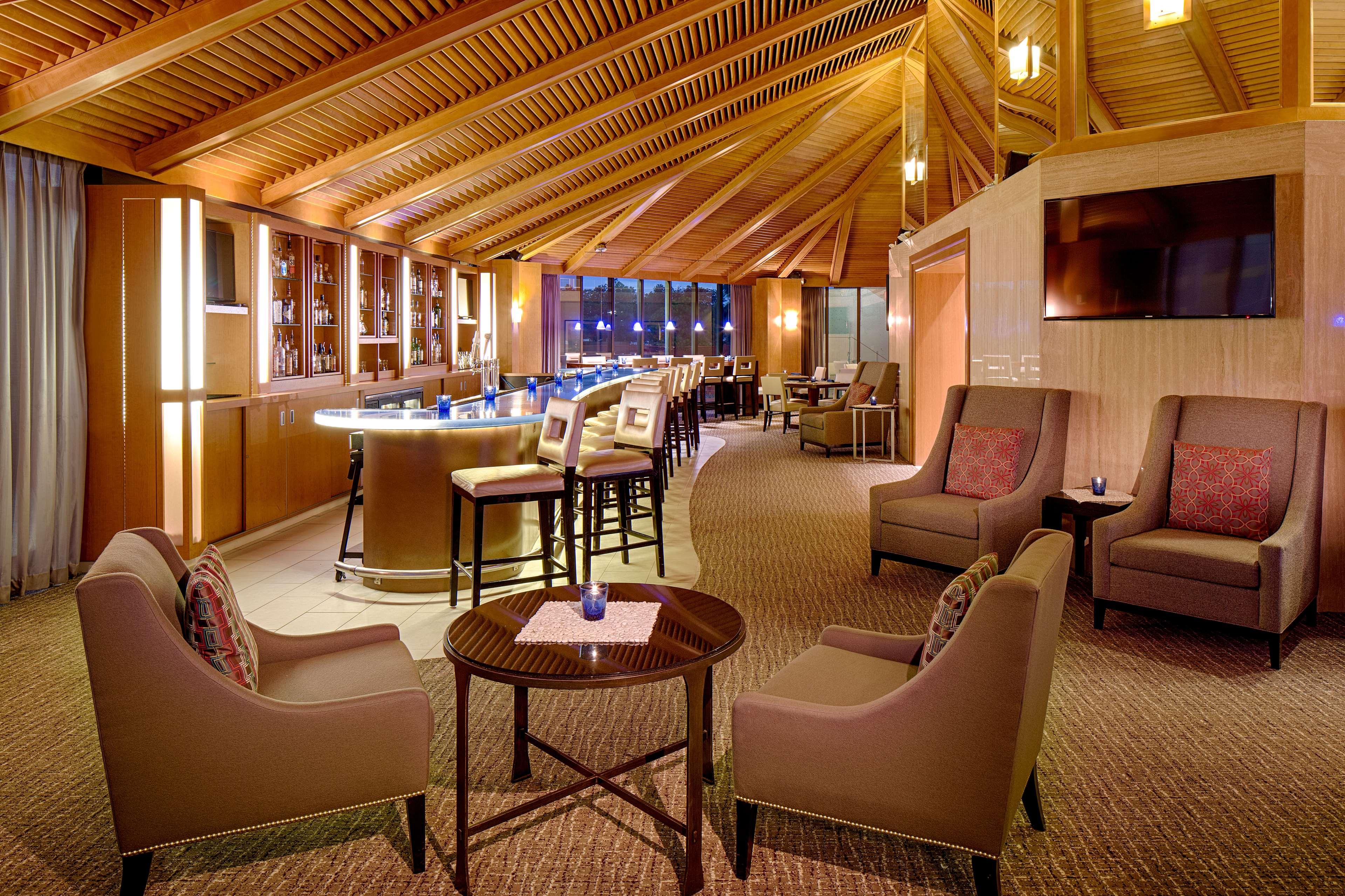DoubleTree by Hilton Hotel Houston - Greenway Plaza image 41