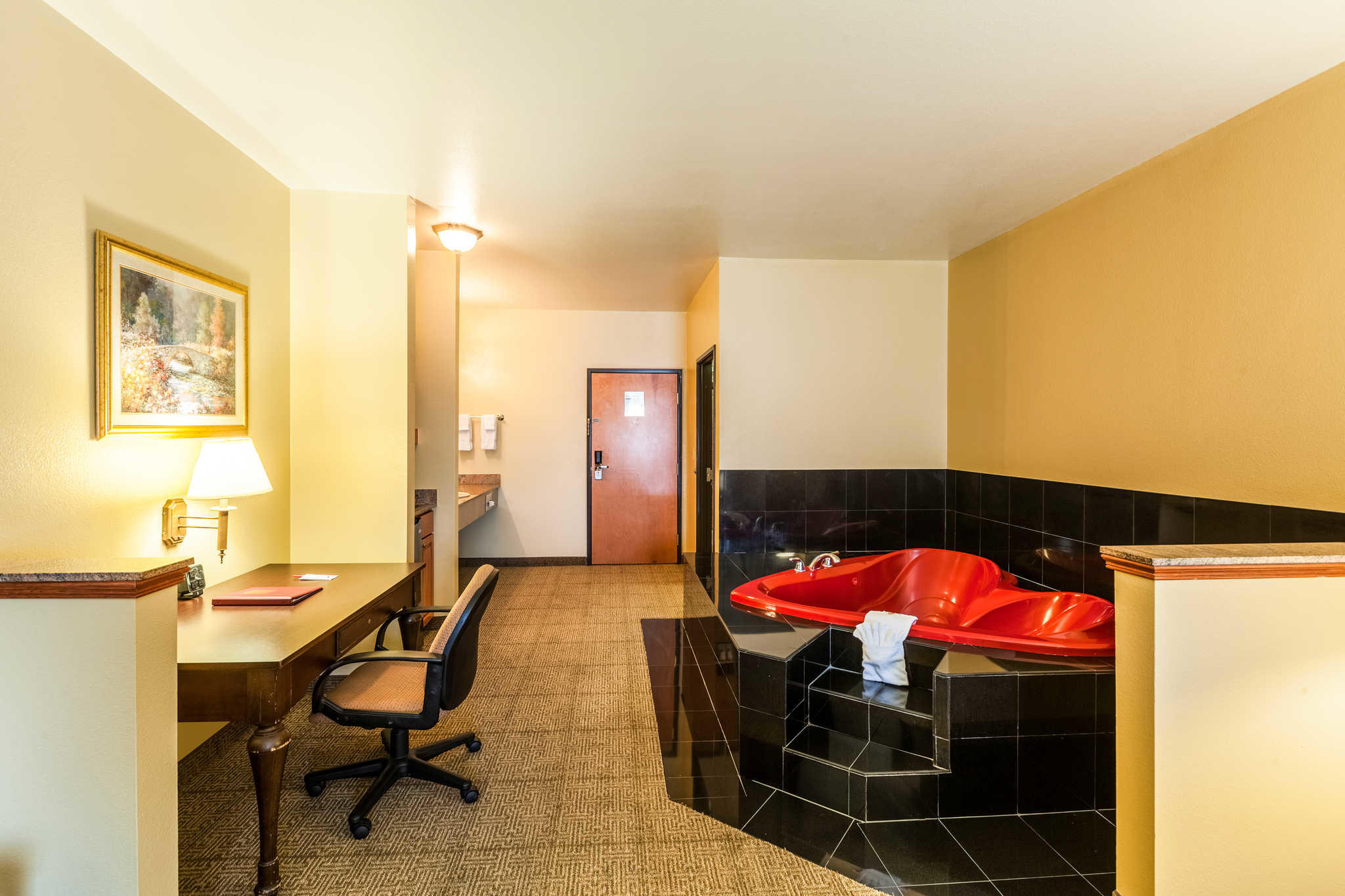 Comfort Suites Mesquite image 20
