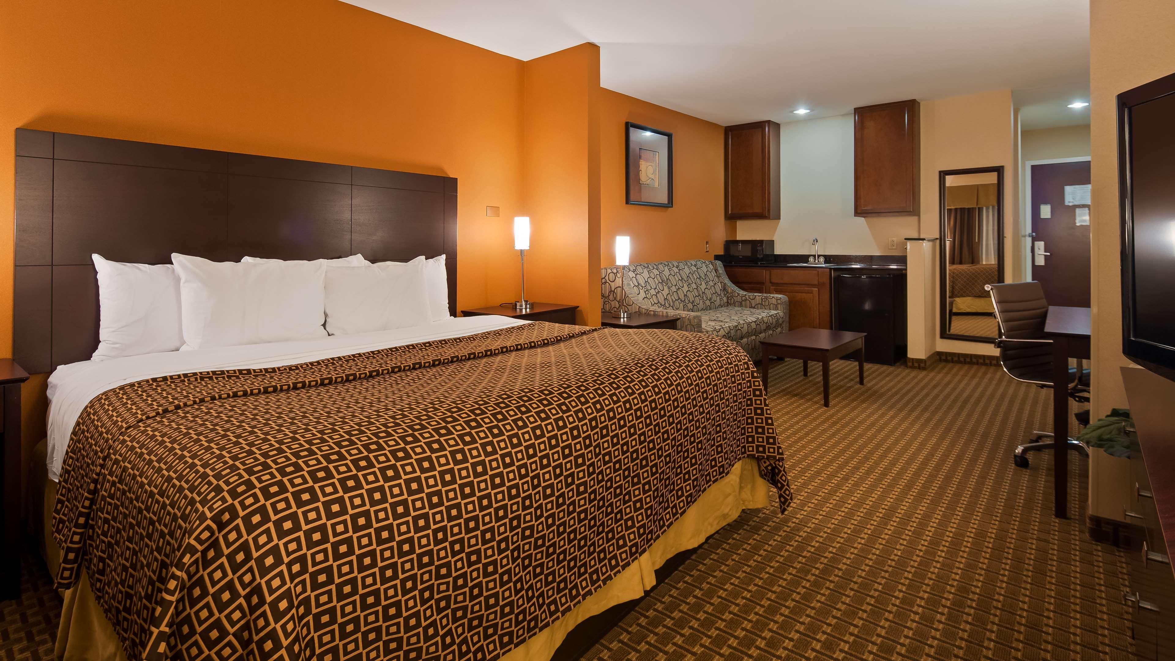 Best Western Concord Inn & Suites image 10