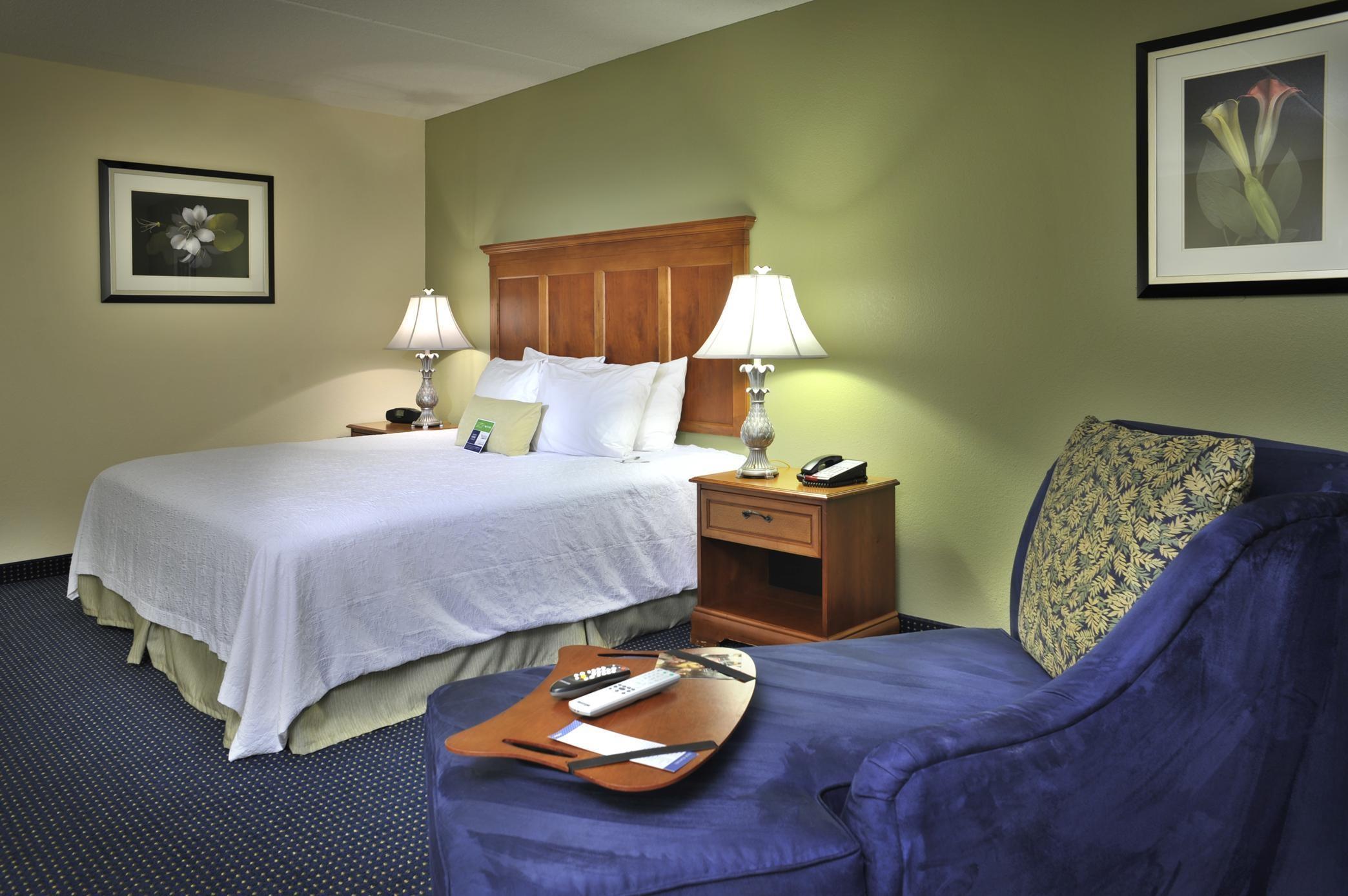 Hampton Inn & Suites ATL-Six Flags image 18
