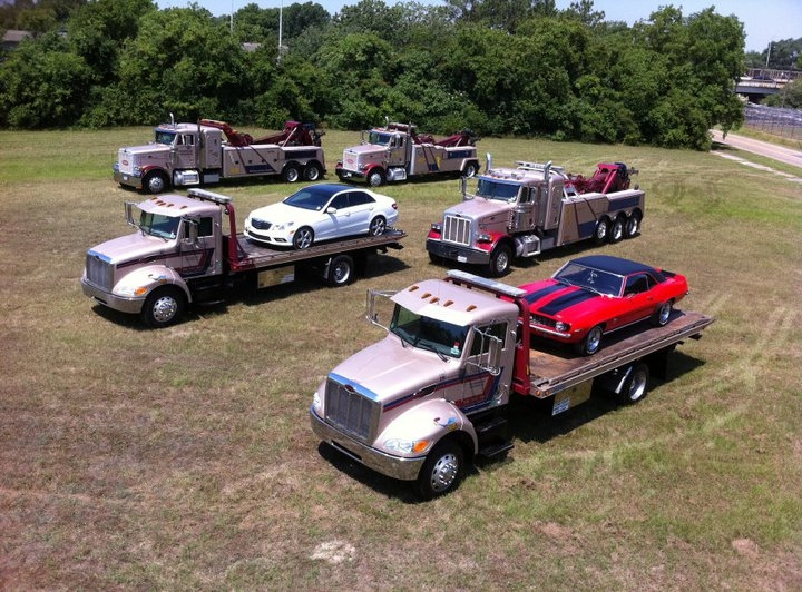 Road Runner Towing & Recovery image 2