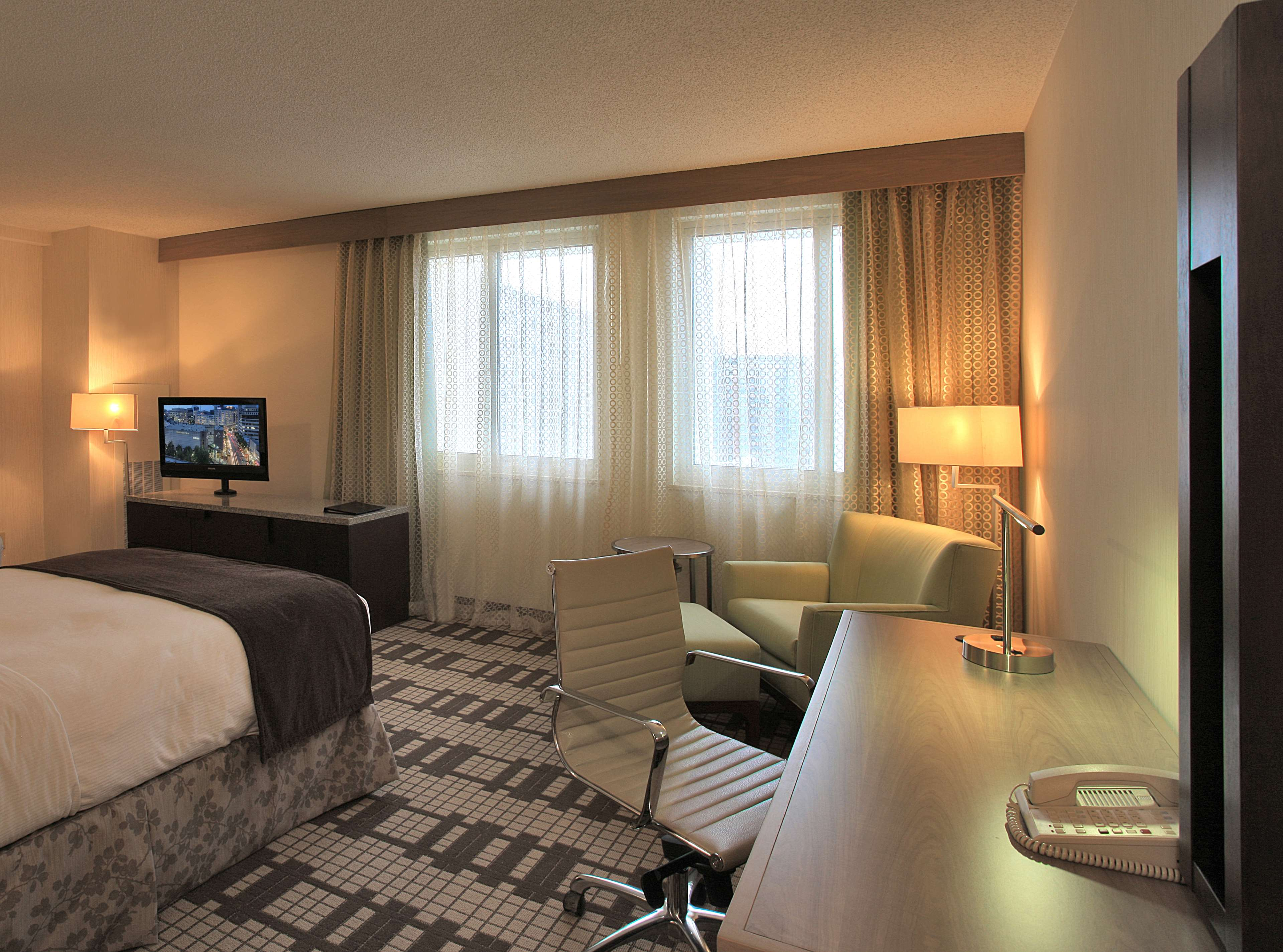 DoubleTree by Hilton Hotel Washington DC - Silver Spring image 10