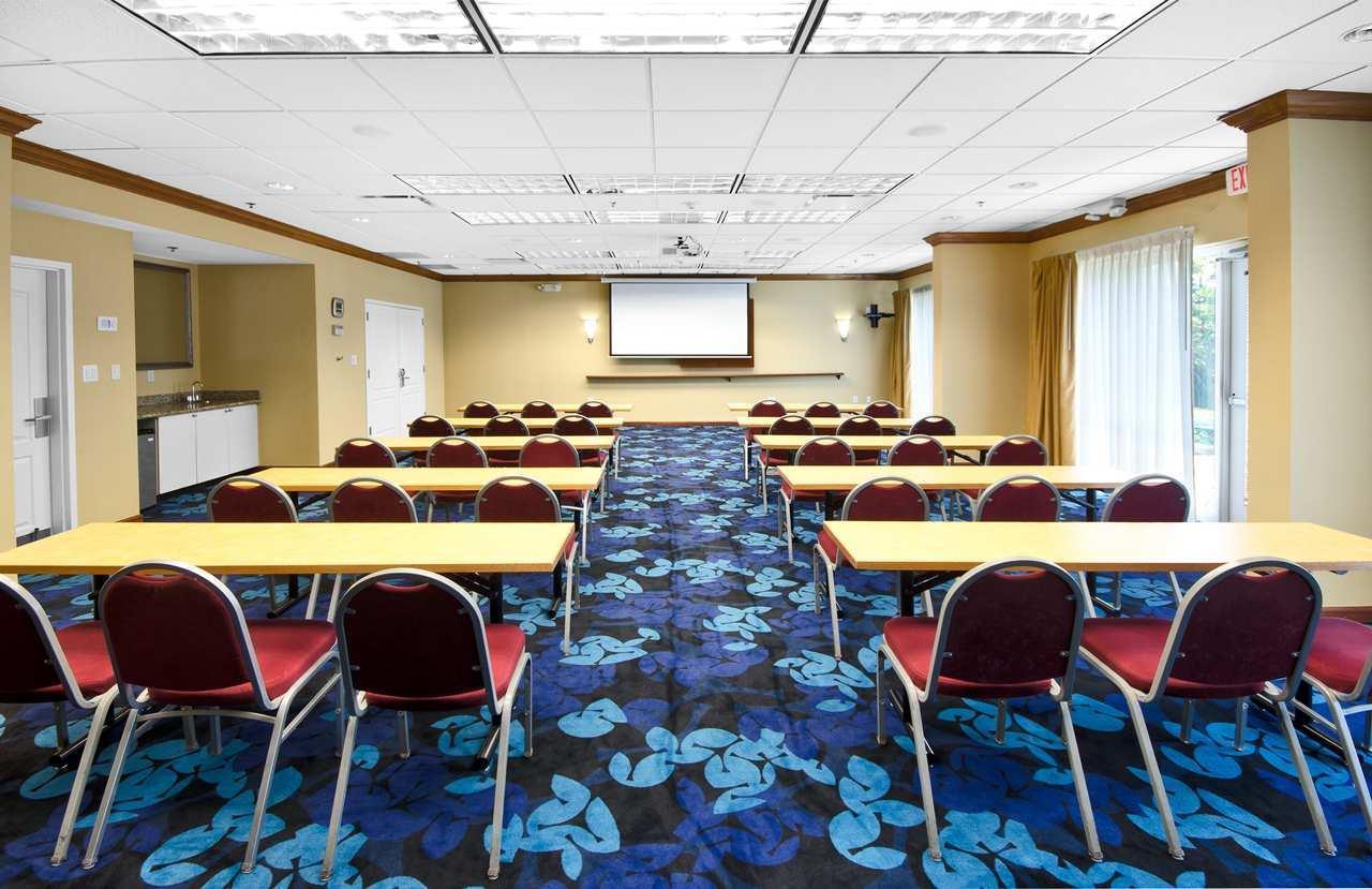 Hampton Inn & Suites Jacksonville South-St. Johns Town Center Area image 15