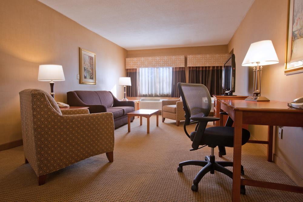 Best Western Plus North Haven Hotel image 26