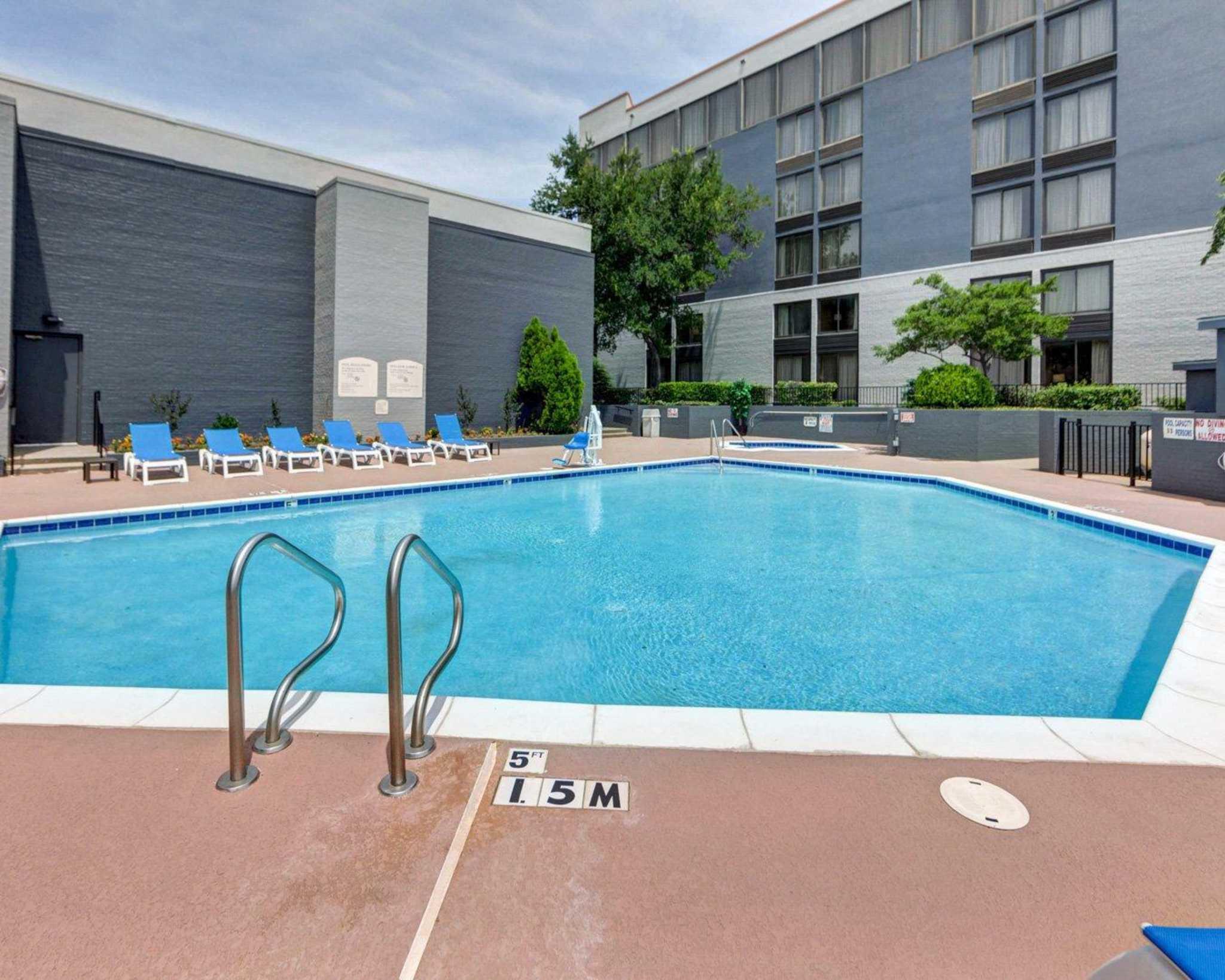 Comfort Inn & Suites Plano East image 12