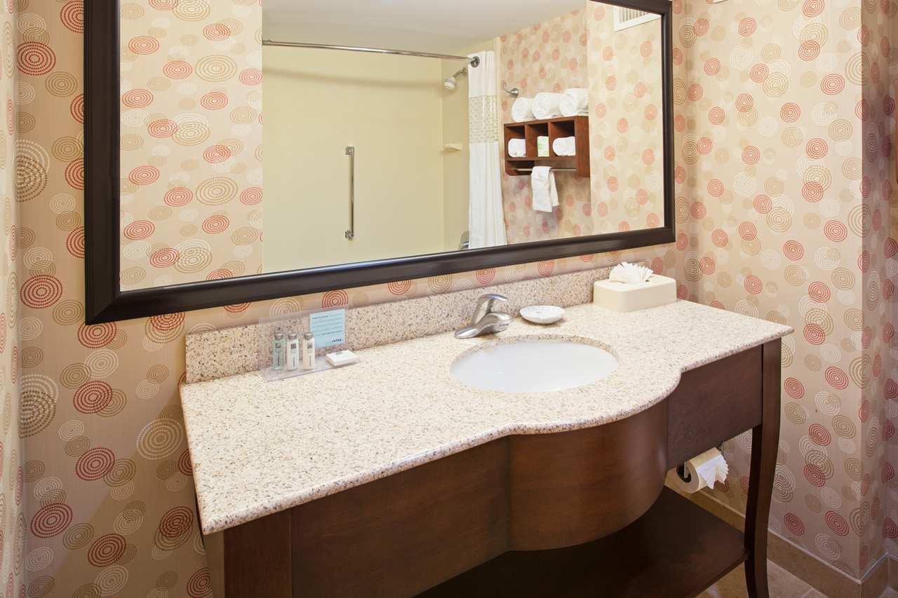 Hampton Inn & Suites Chicago-North Shore/Skokie image 9