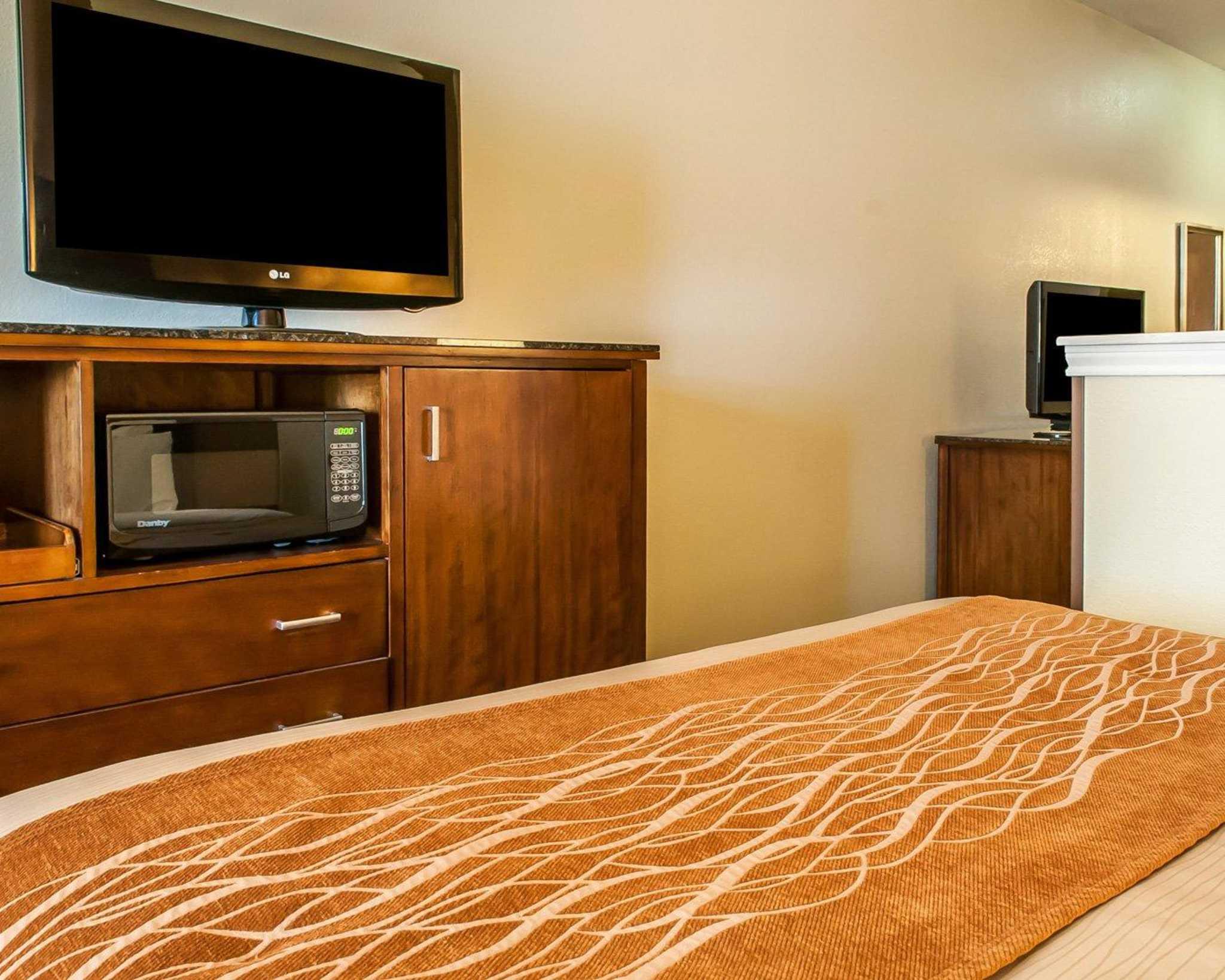 Comfort Inn Midtown image 30