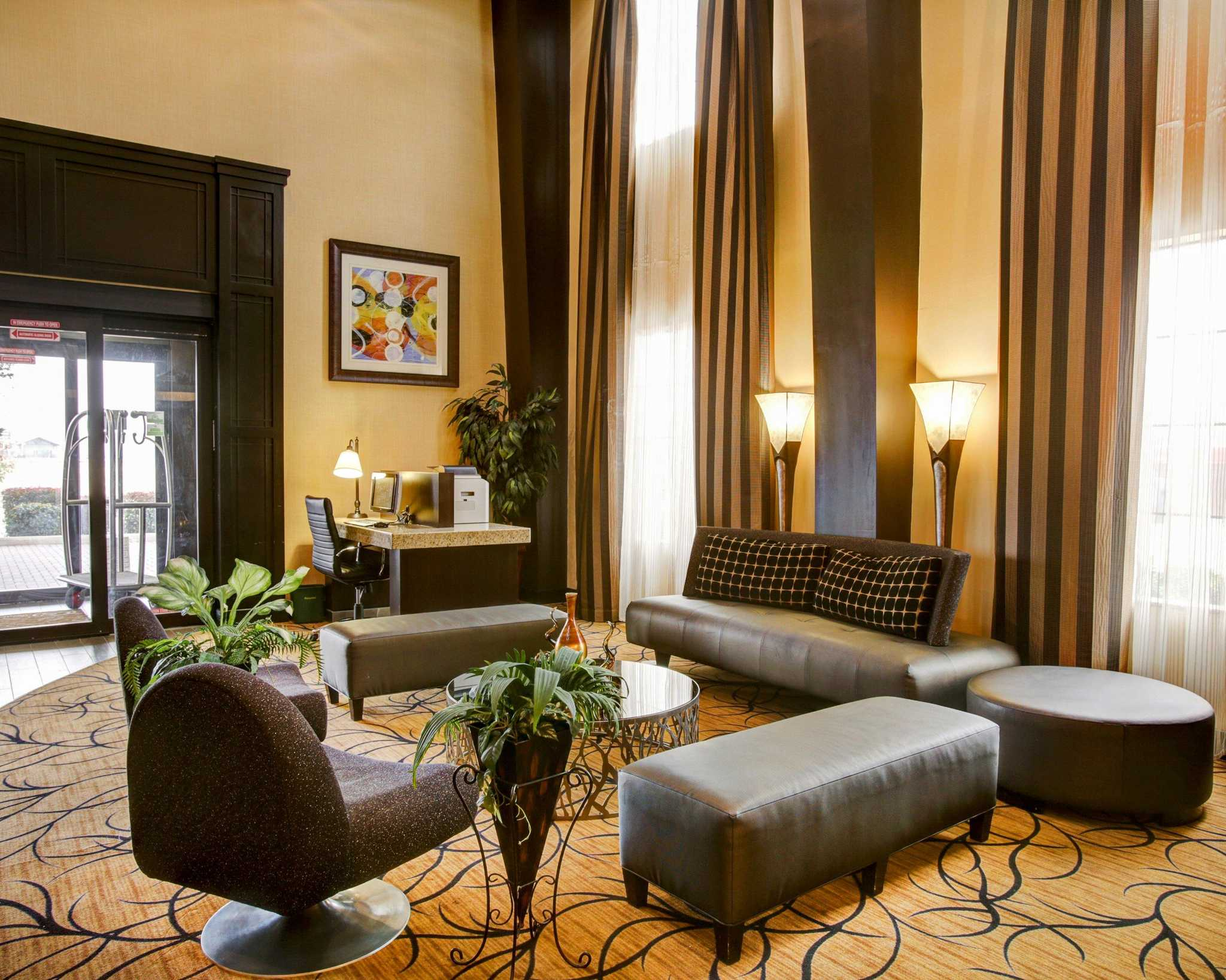Comfort Suites Buda - Austin South image 16