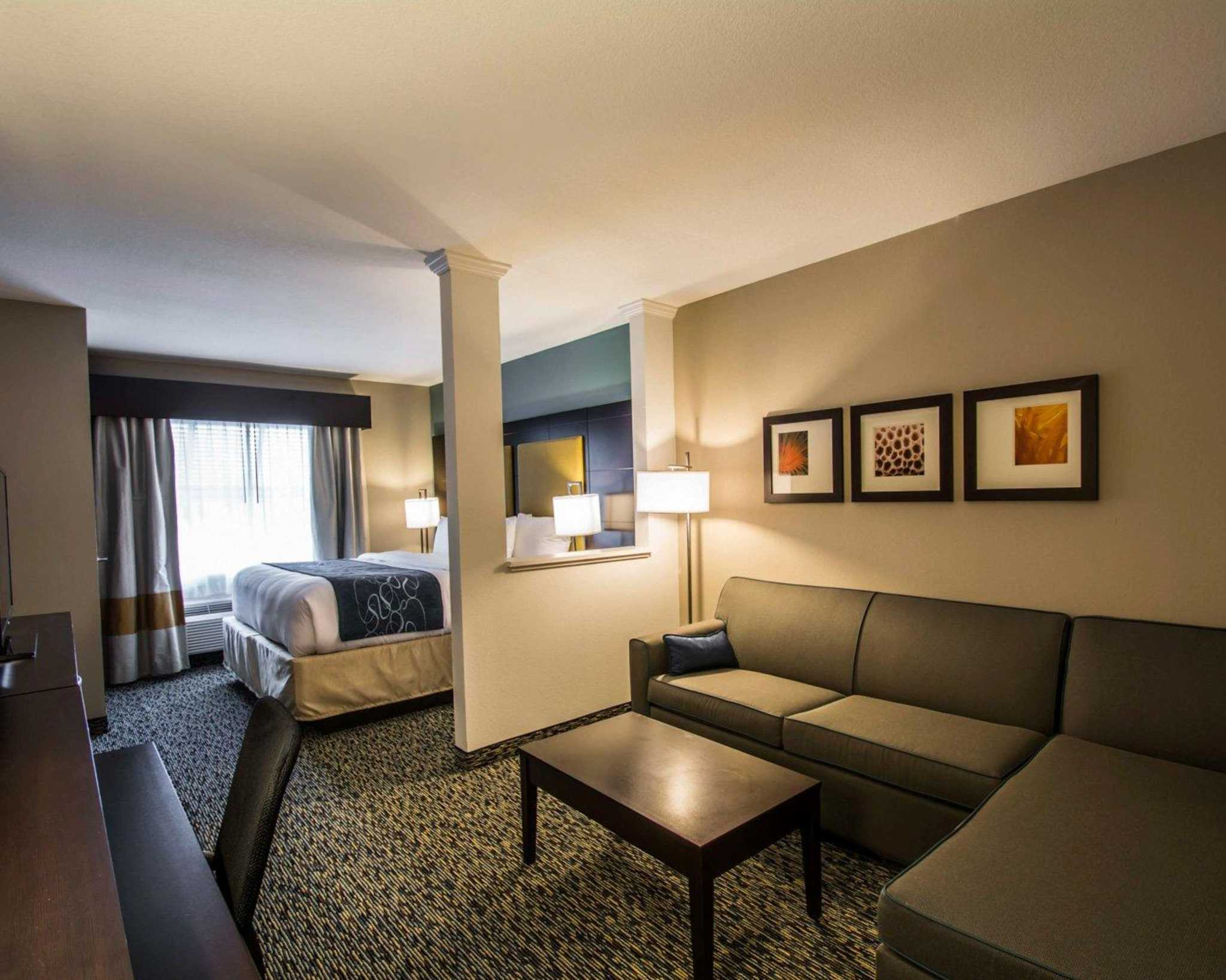 Comfort Suites Fort Lauderdale Airport South & Cruise Port image 3
