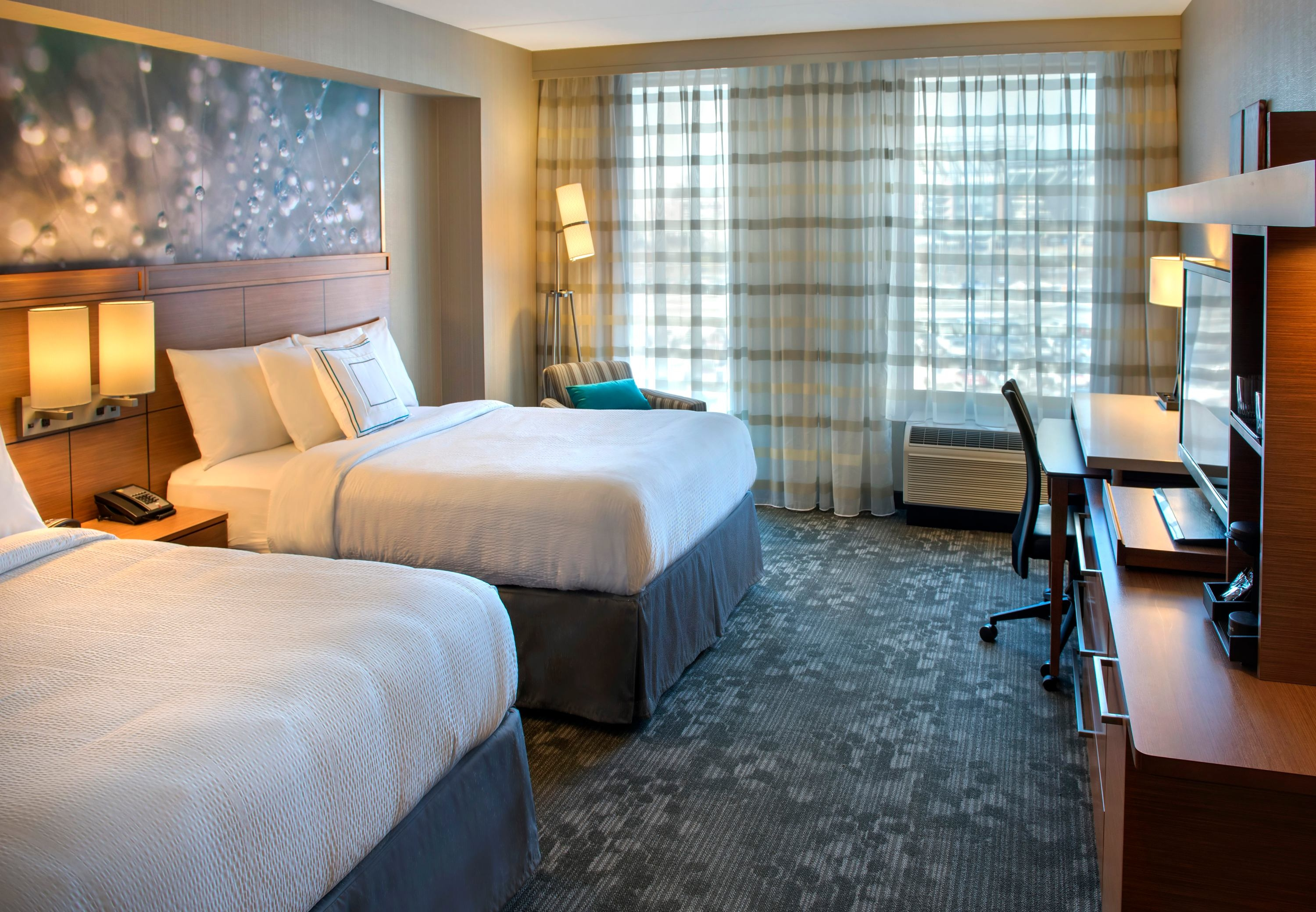 Courtyard by Marriott Philadelphia South at The Navy Yard image 10