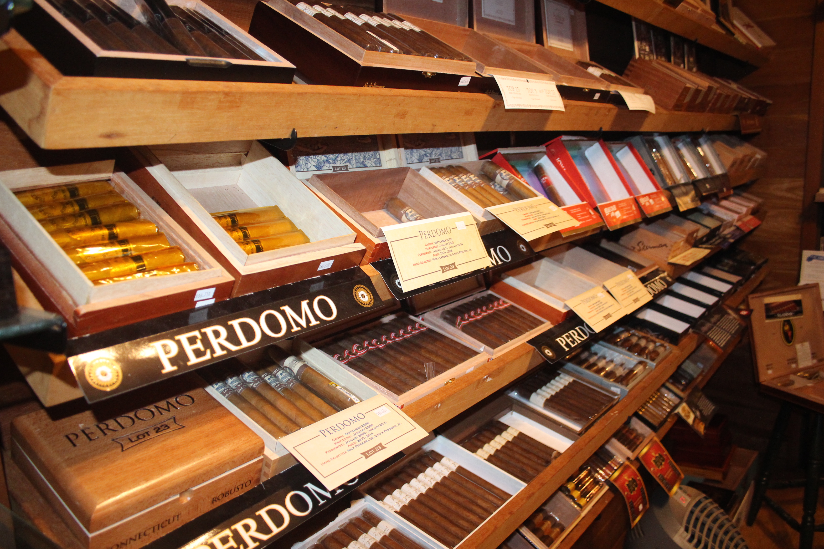 Rocky Hill Premium Cigar image 3