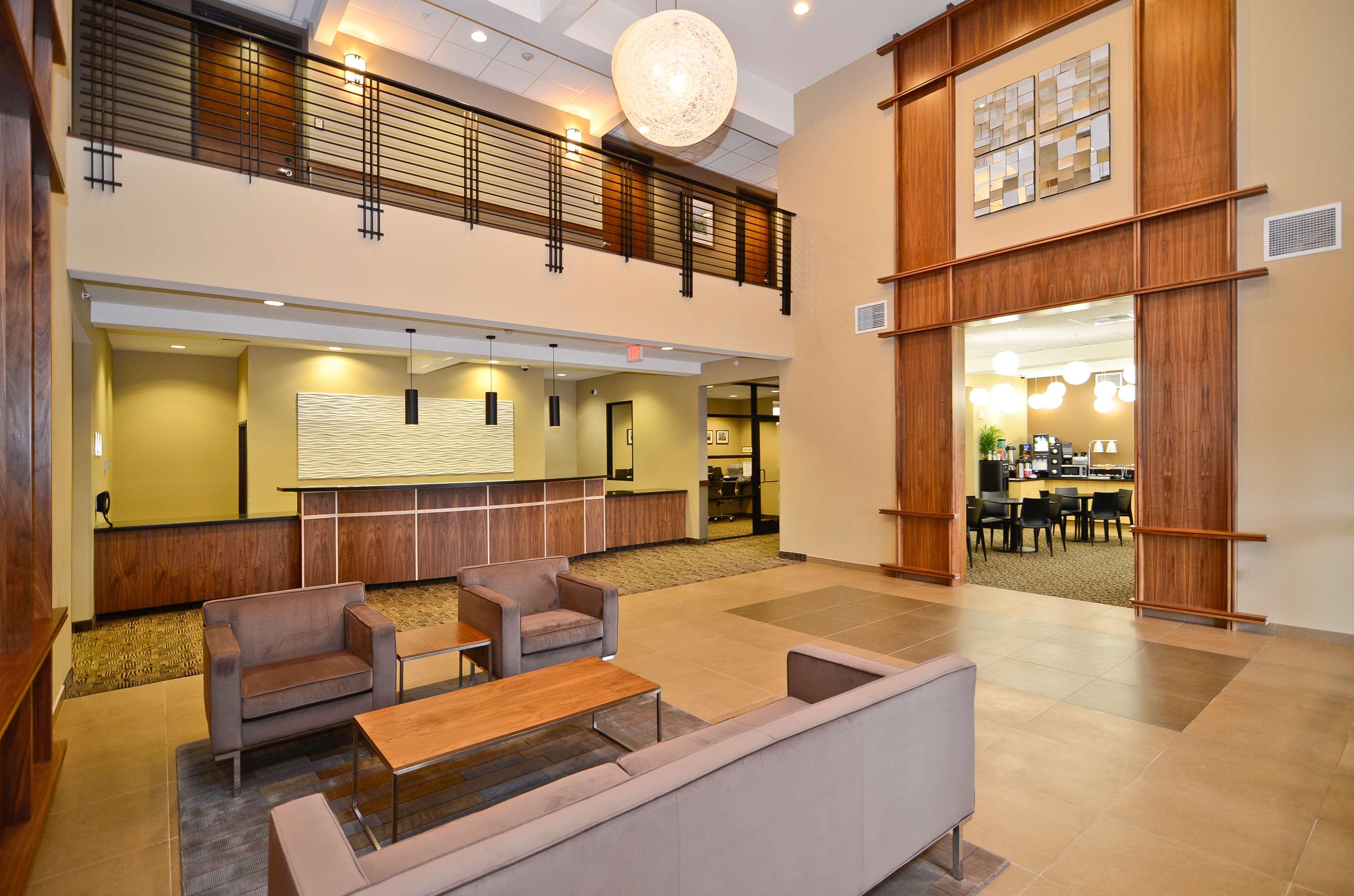 Best Western Plus Lacey Inn & Suites image 14