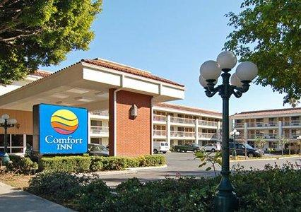 Hotels in CA Pasadena 91107 Comfort Inn Near Pasadena Civic Auditorium 2462 E. Colorado Blvd.  (626)405-0811