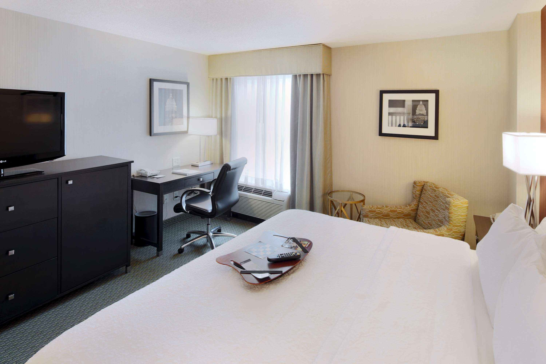 Hampton Inn & Suites Reagan National Airport image 22