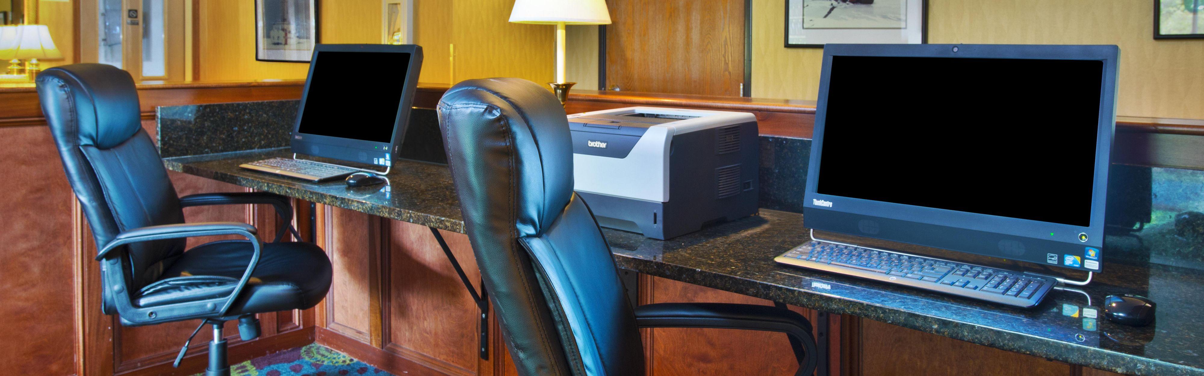 Holiday Inn Express Mackinaw City image 2