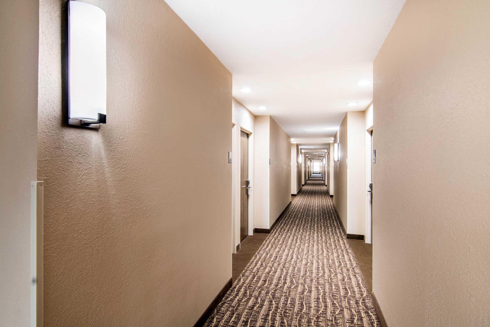 Comfort Inn & Suites Junction City - near Fort Riley image 5