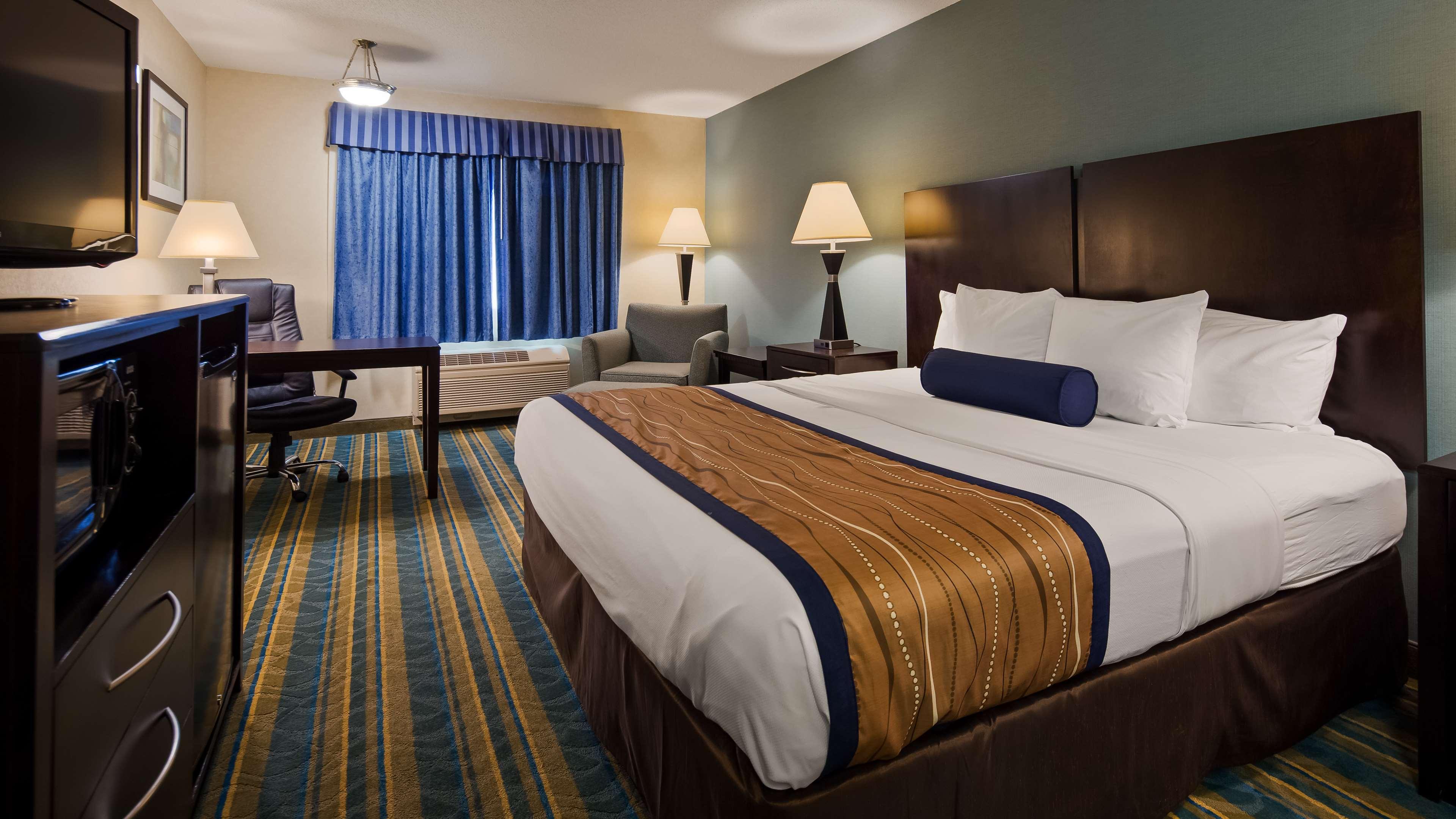 Best Western Plus Berkshire Hills Inn & Suites image 14