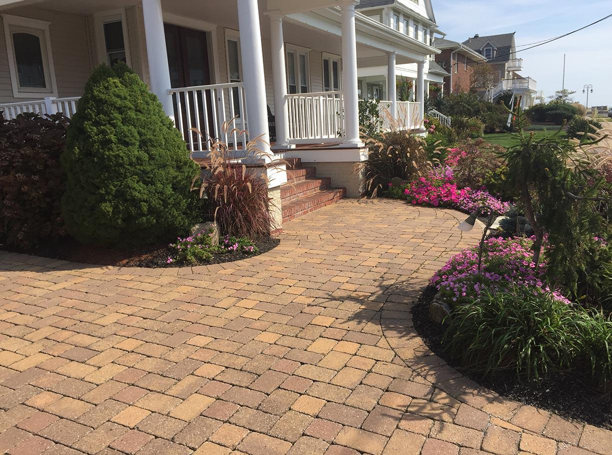 Designer Landscaping & Irrigation
