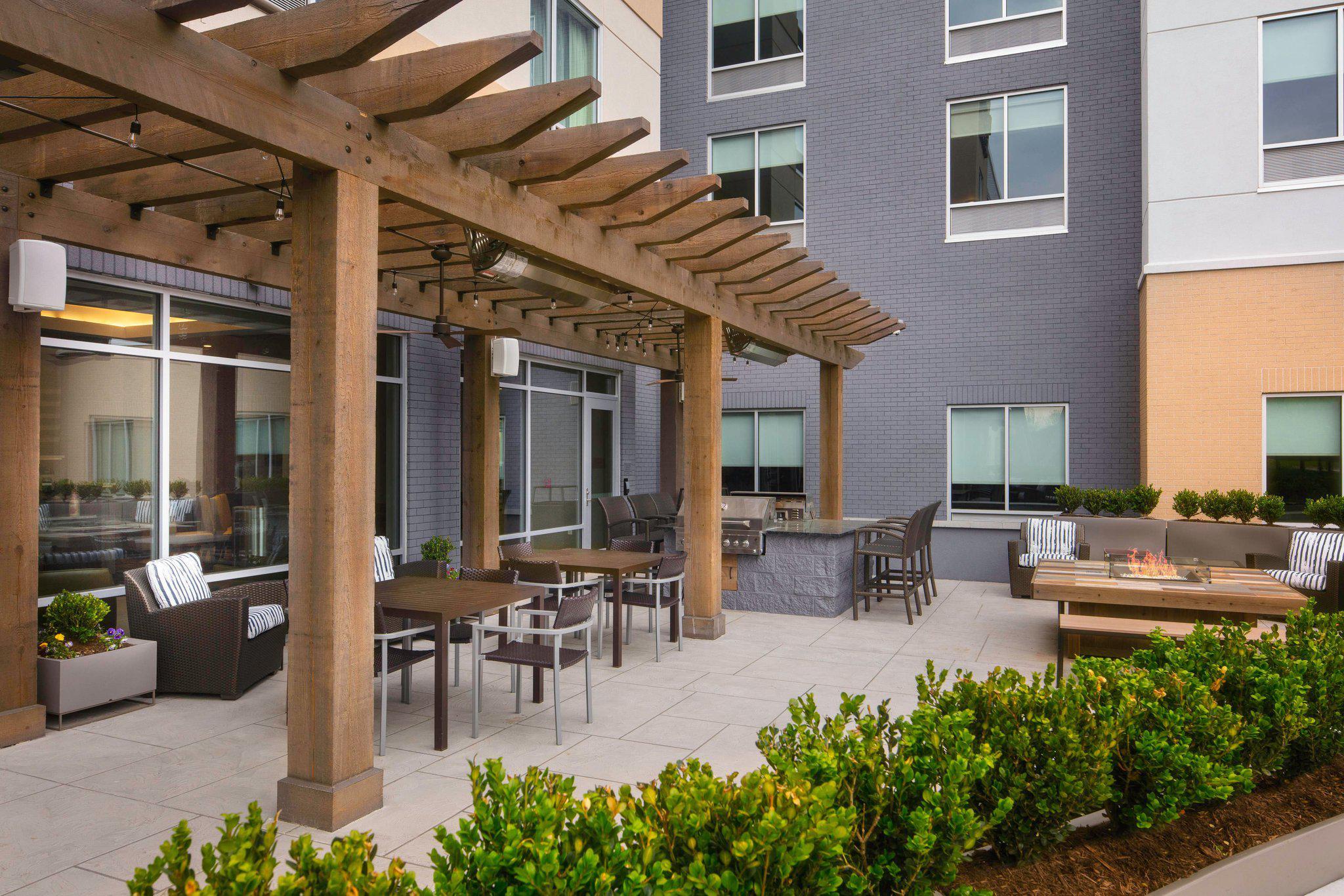 Fairfield Inn & Suites by Marriott Louisville Northeast