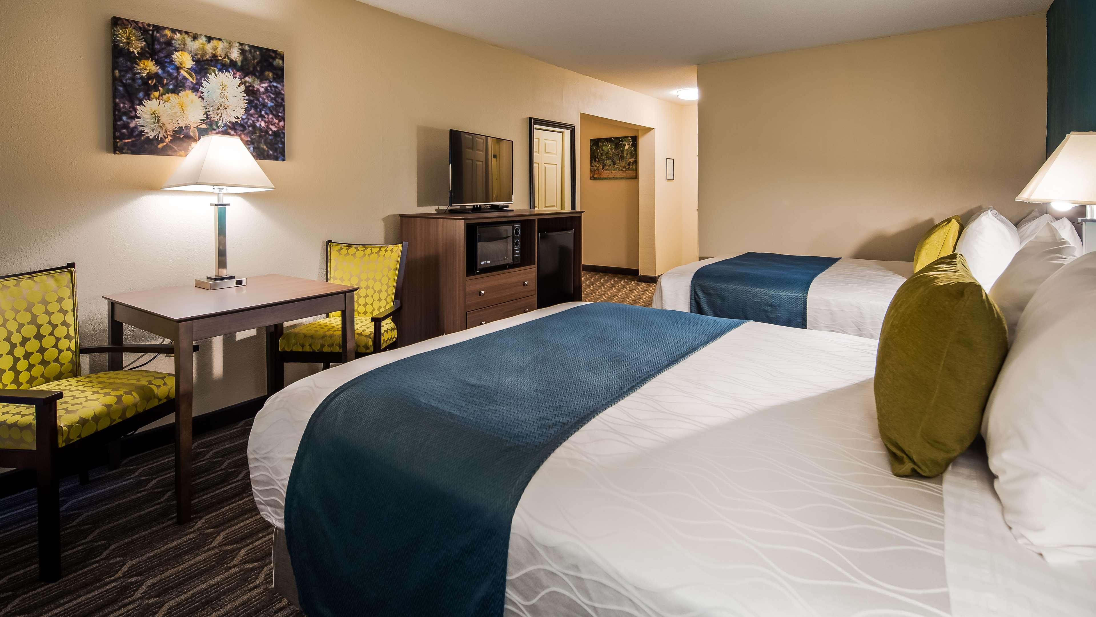 Best Western Plus Yadkin Valley Inn & Suites image 9