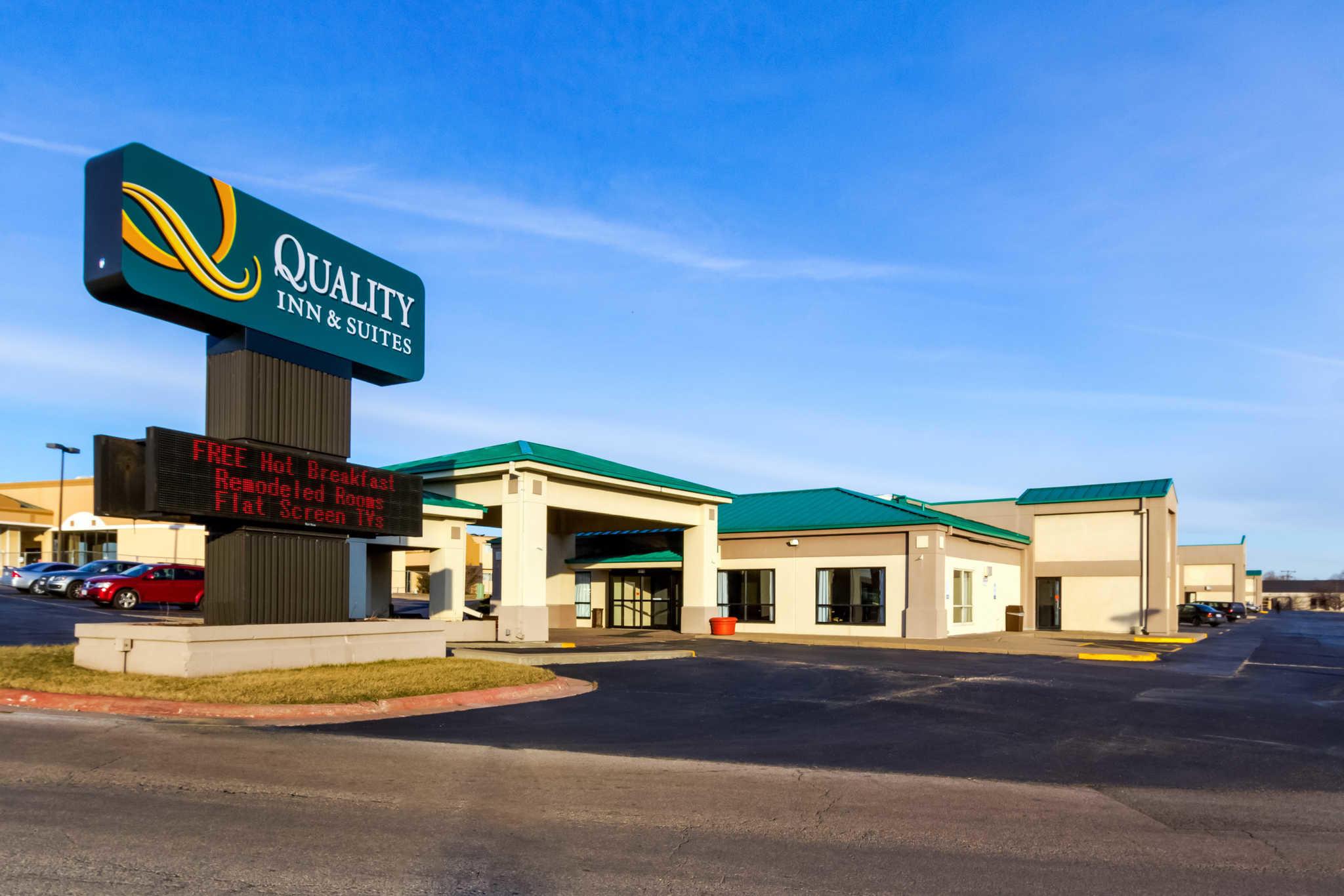 Quality Inn & Suites Moline - Quad Cities image 1