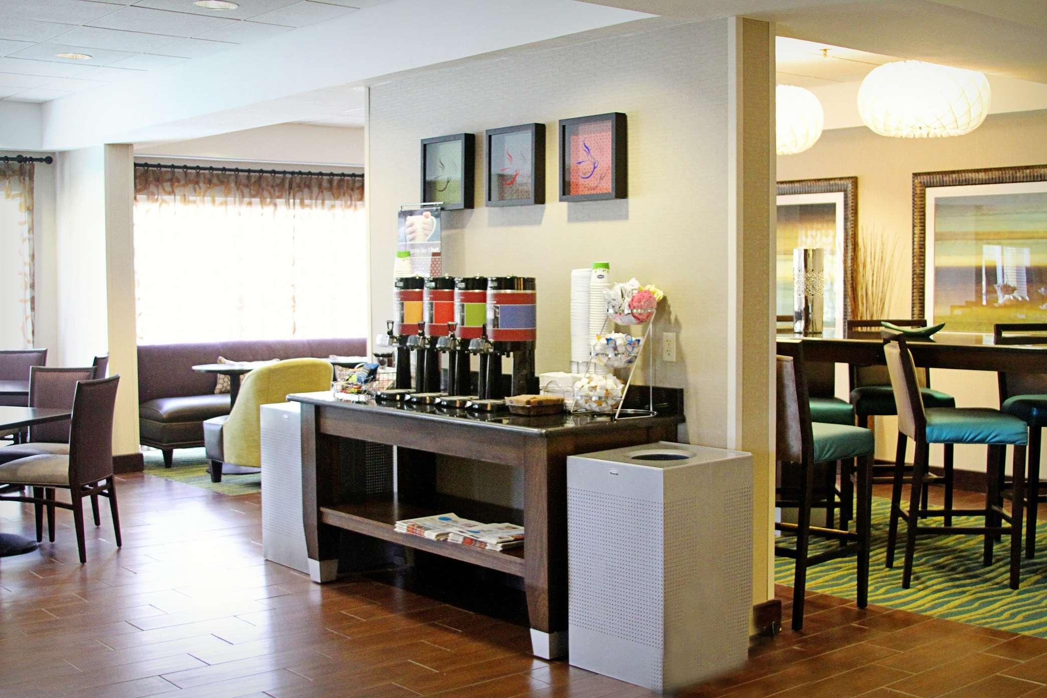 Hampton Inn Tampa/Rocky Point-Airport image 4