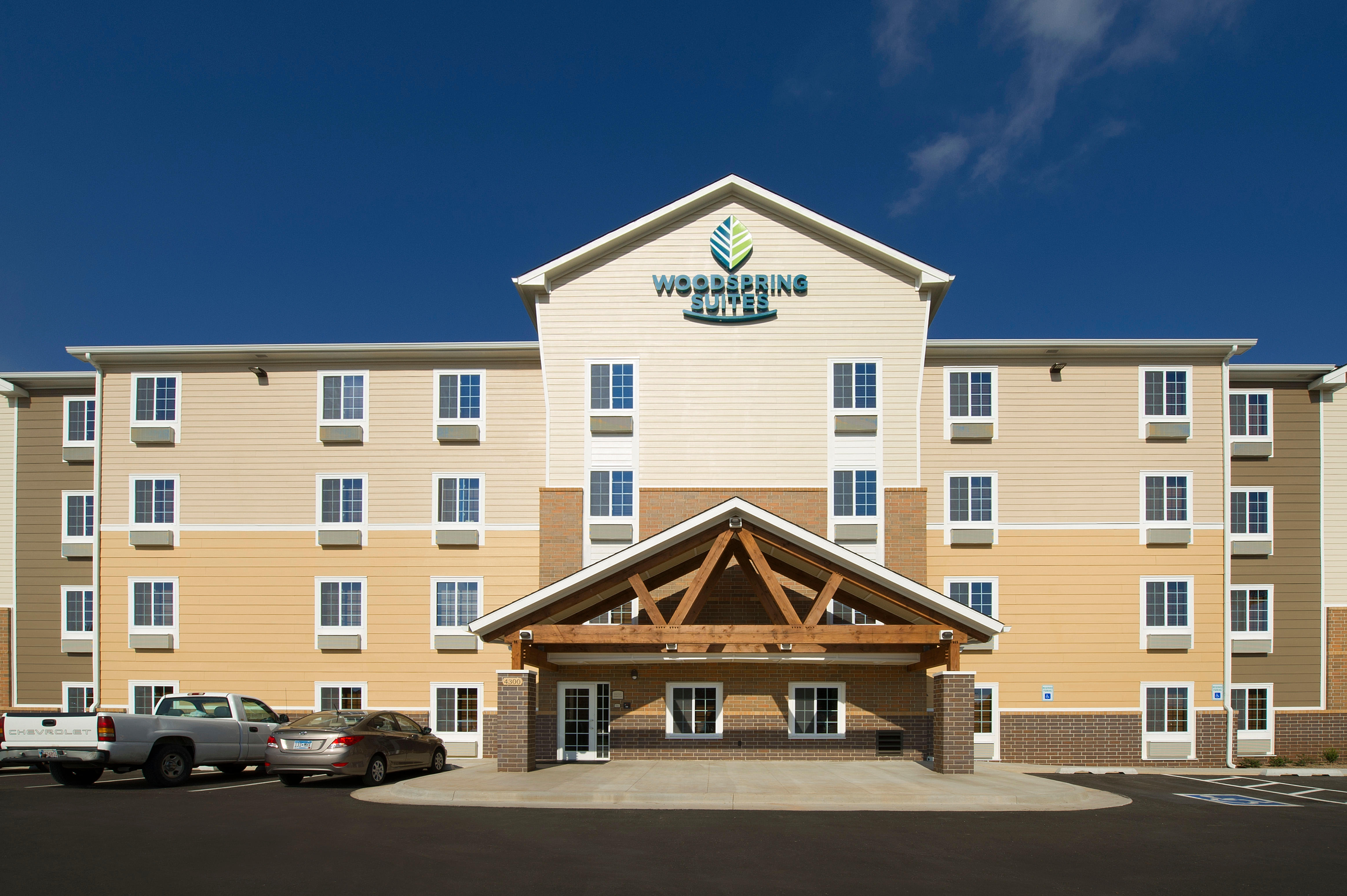 WoodSpring Suites Oklahoma City Airport image 6