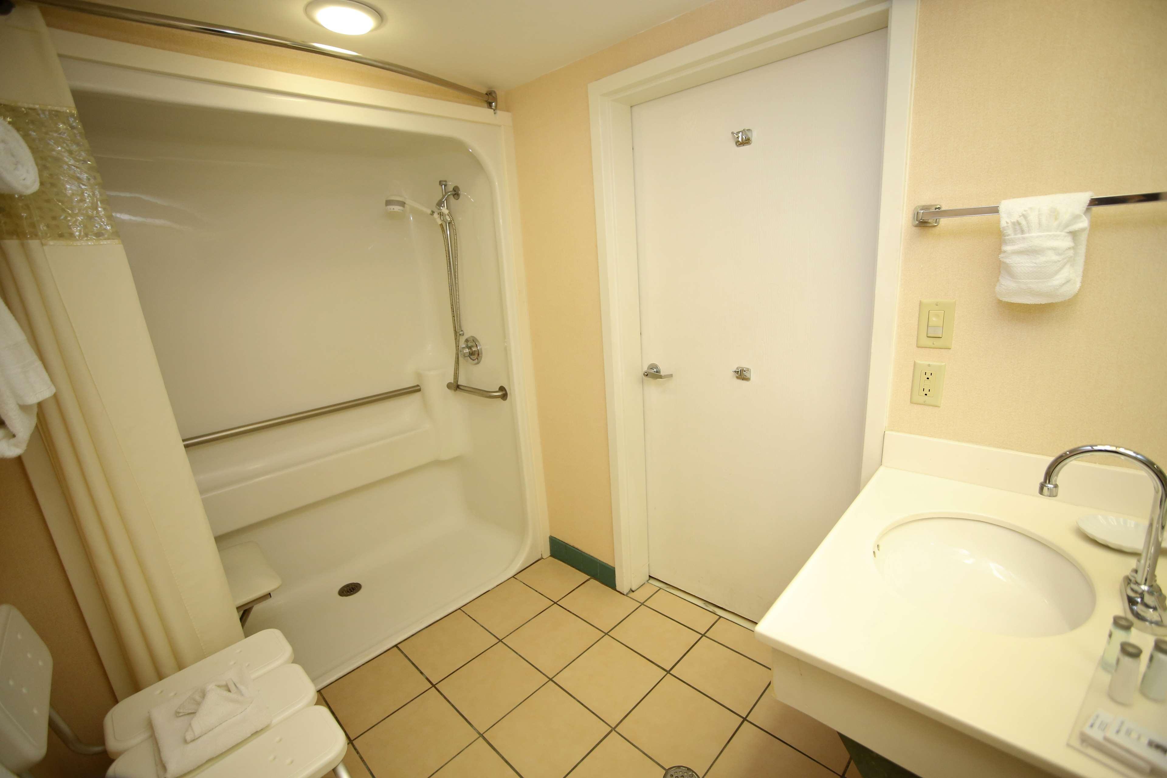 Hampton Inn & Suites Orlando/East UCF Area image 19