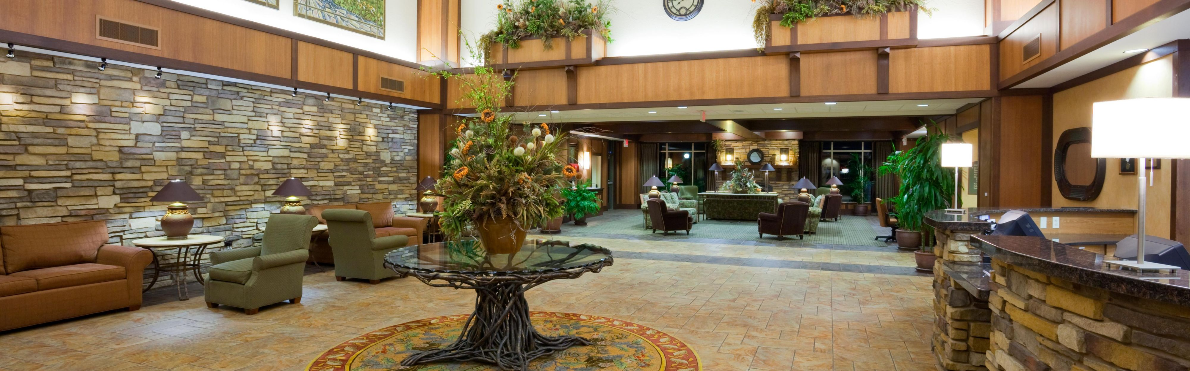 Holiday Inn Stevens Point - Convention Ctr image 0