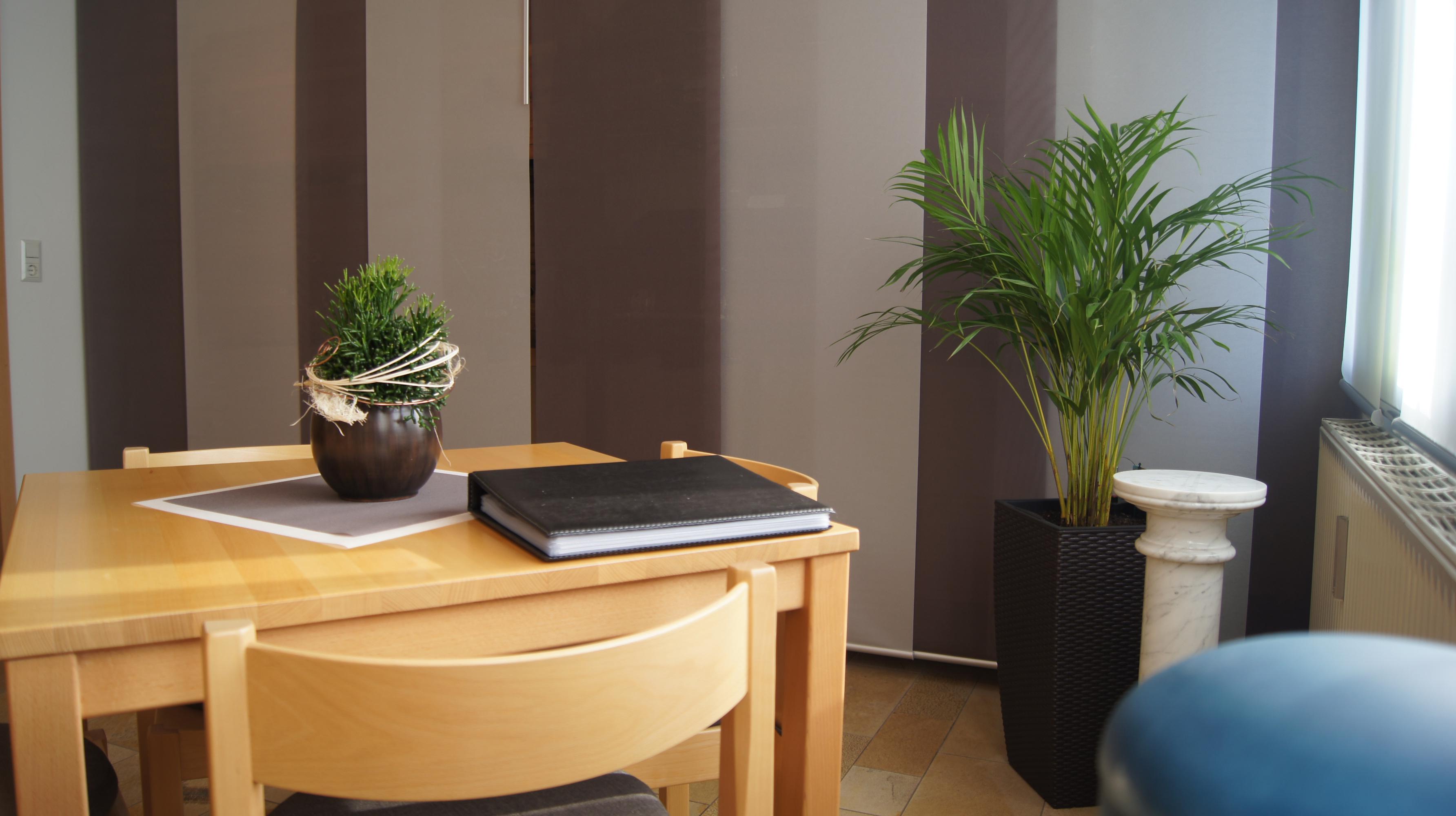 bestattungen friedrich hahn gmbh oelsnitz erz 09376. Black Bedroom Furniture Sets. Home Design Ideas