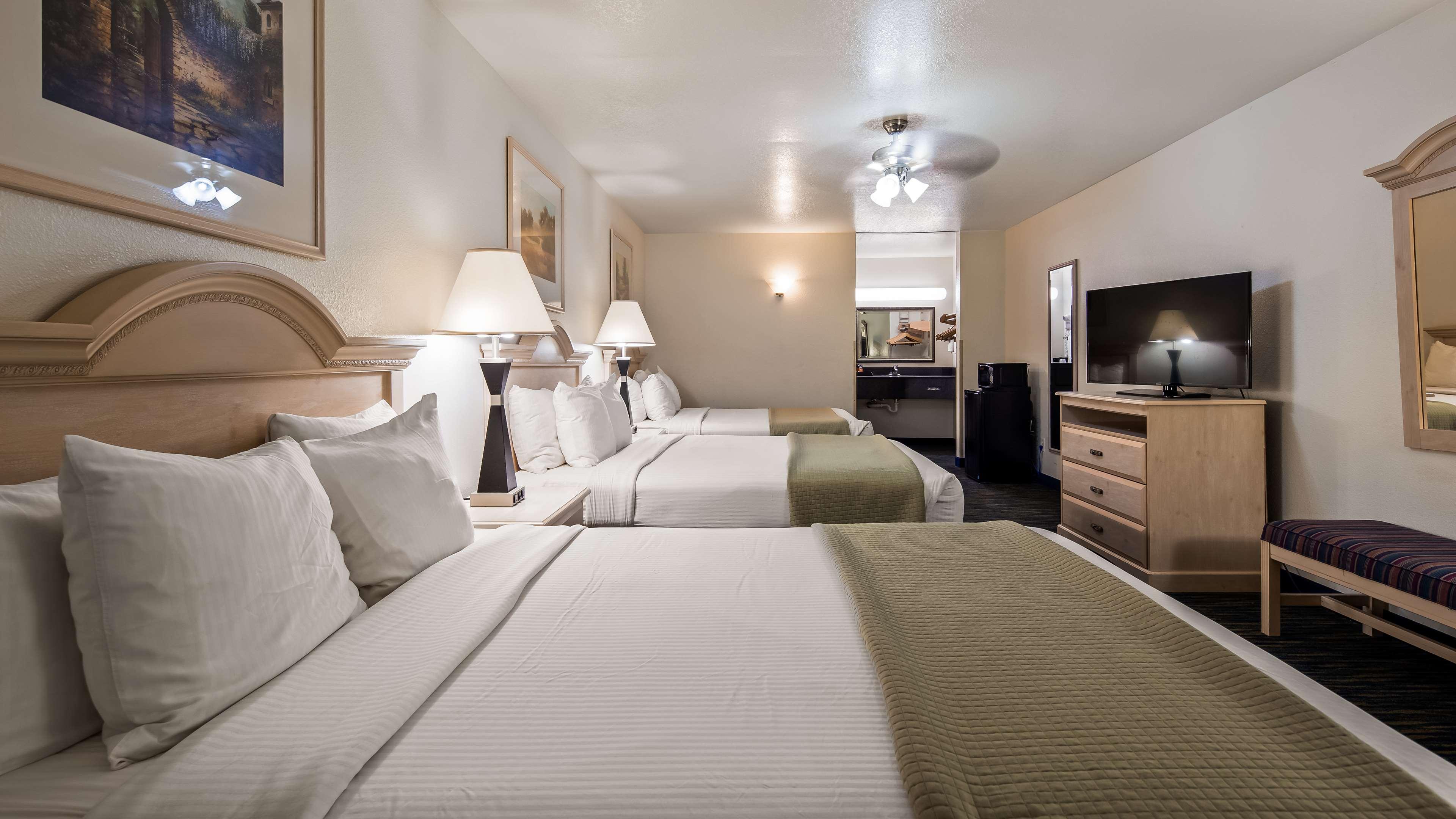 SureStay Hotel by Best Western Falfurrias image 6