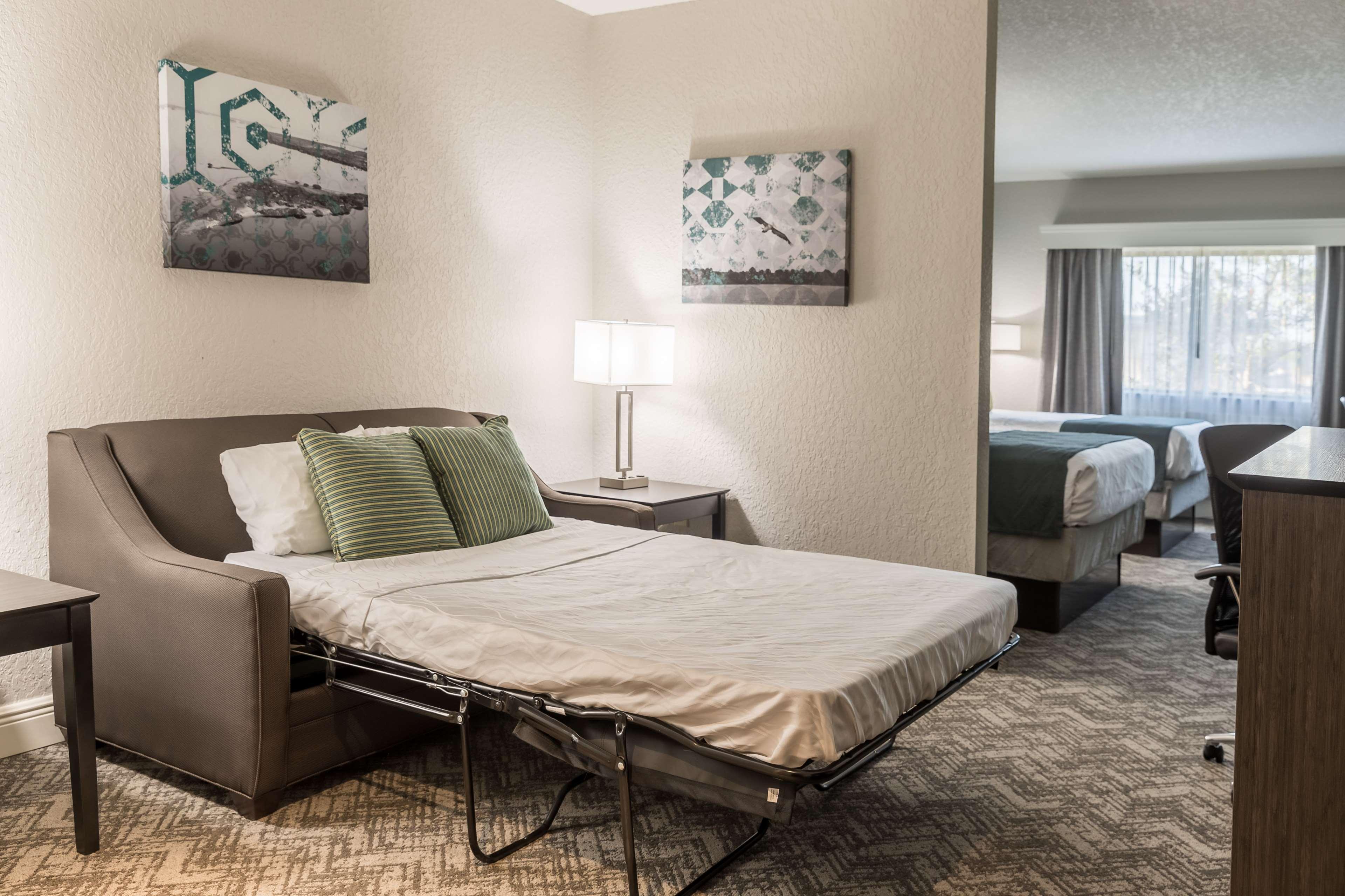 Best Western Plus Sebastian Hotel & Suites image 32