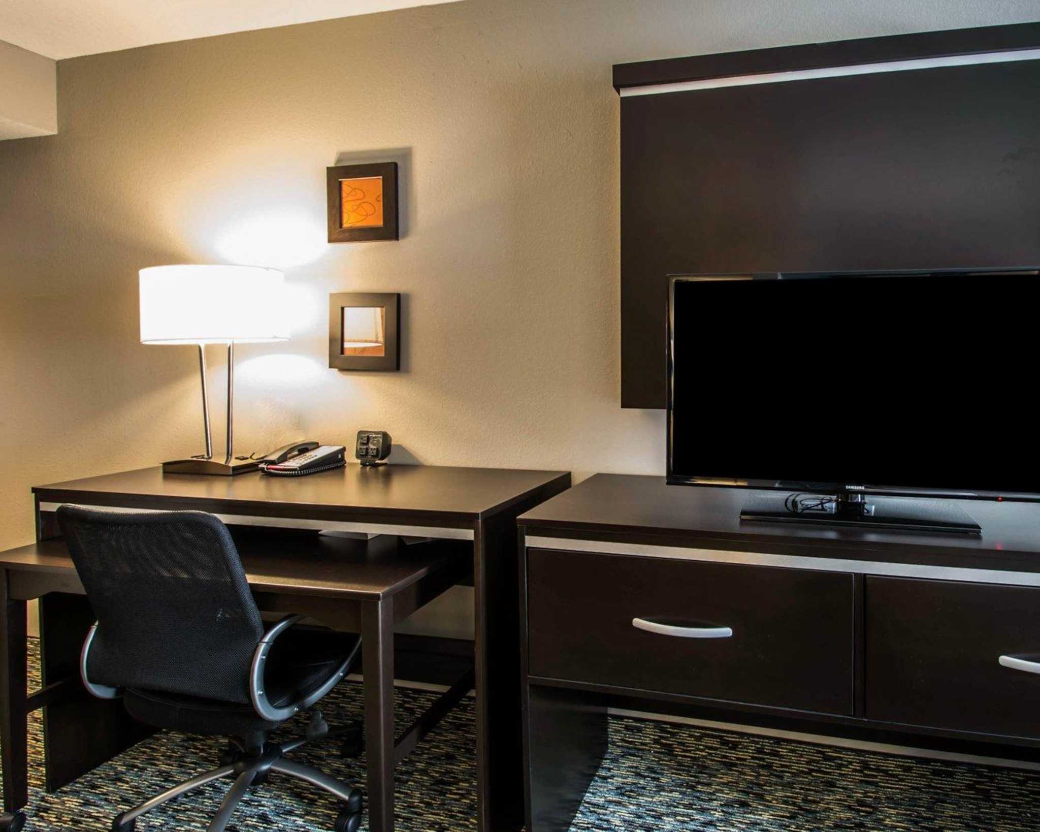 Comfort Suites Fort Lauderdale Airport South & Cruise Port image 17