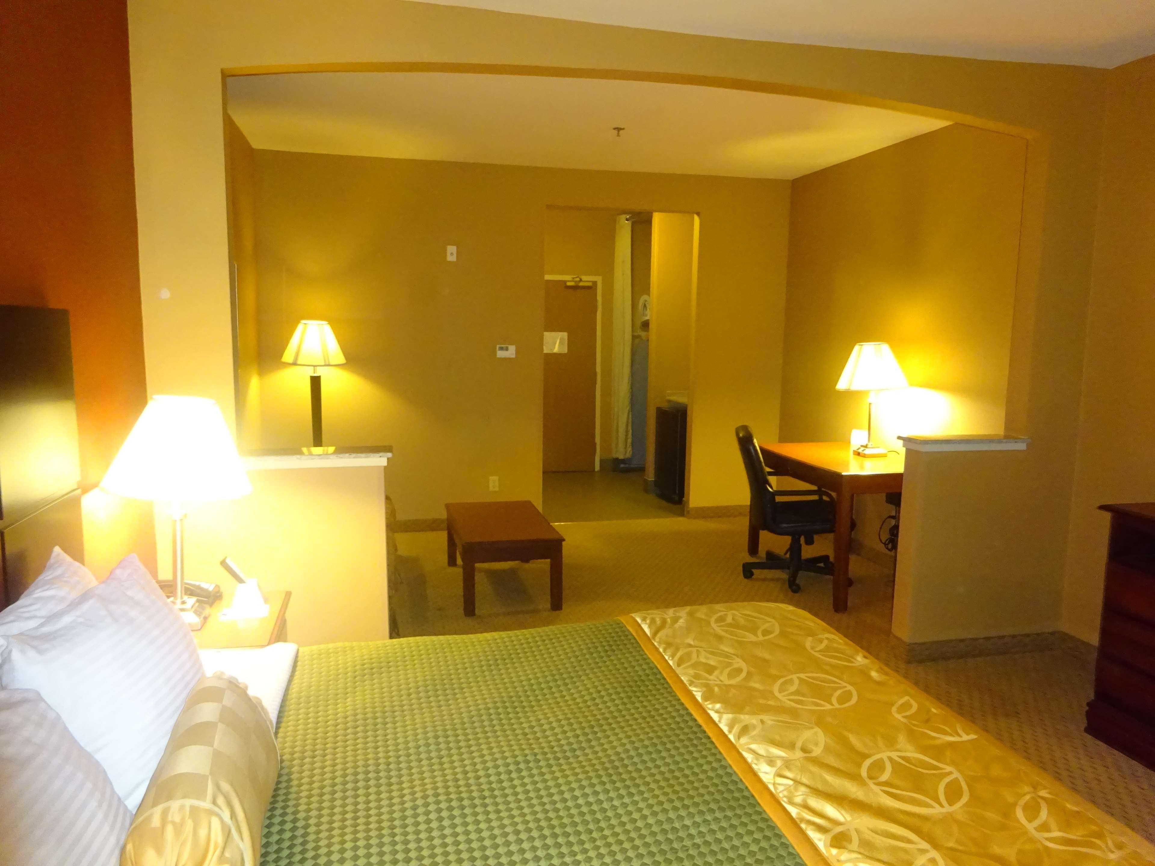 Best Western Plus Denton Inn & Suites image 14