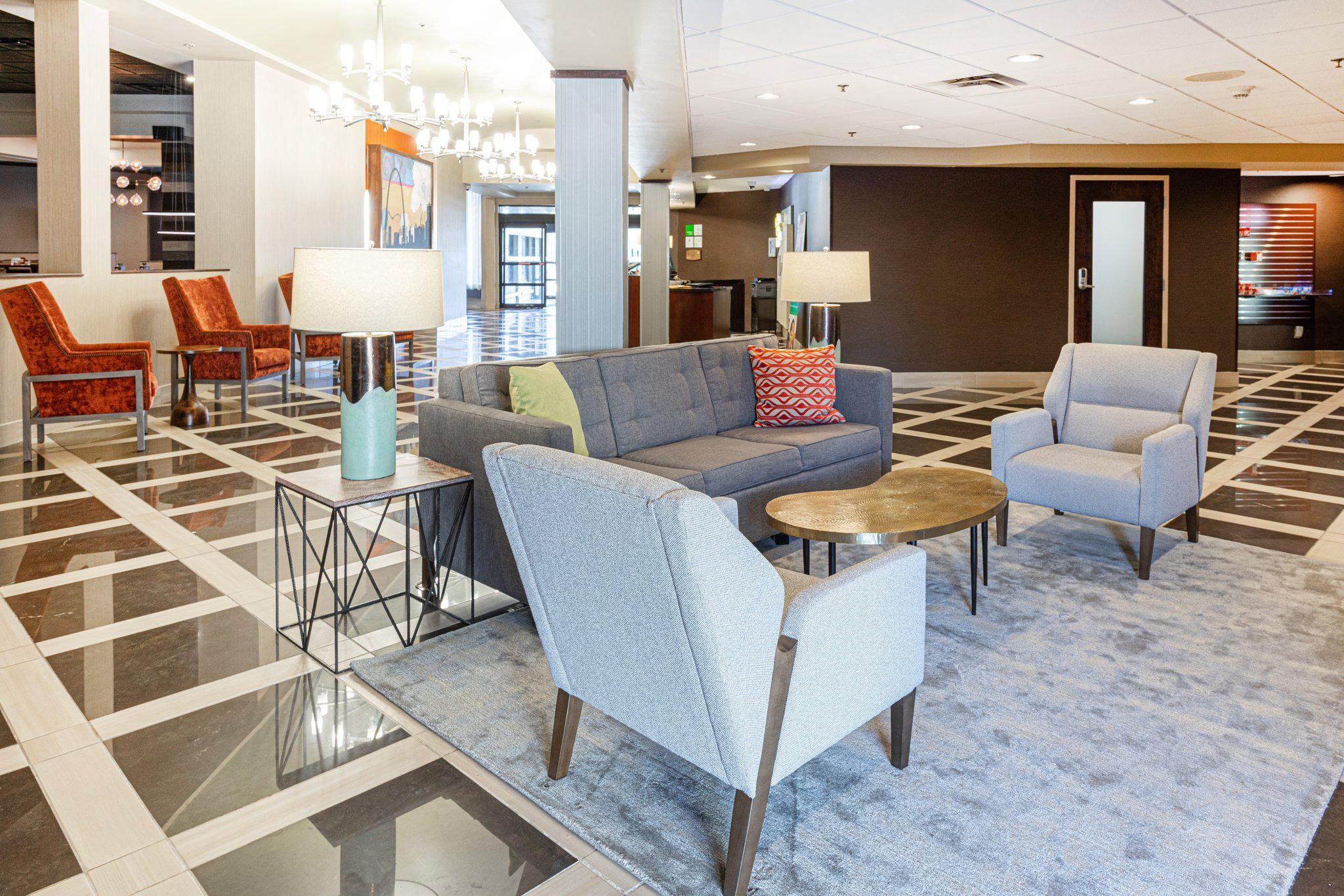 Holiday Inn St. Louis Arpt West-Earth City, an IHG Hotel