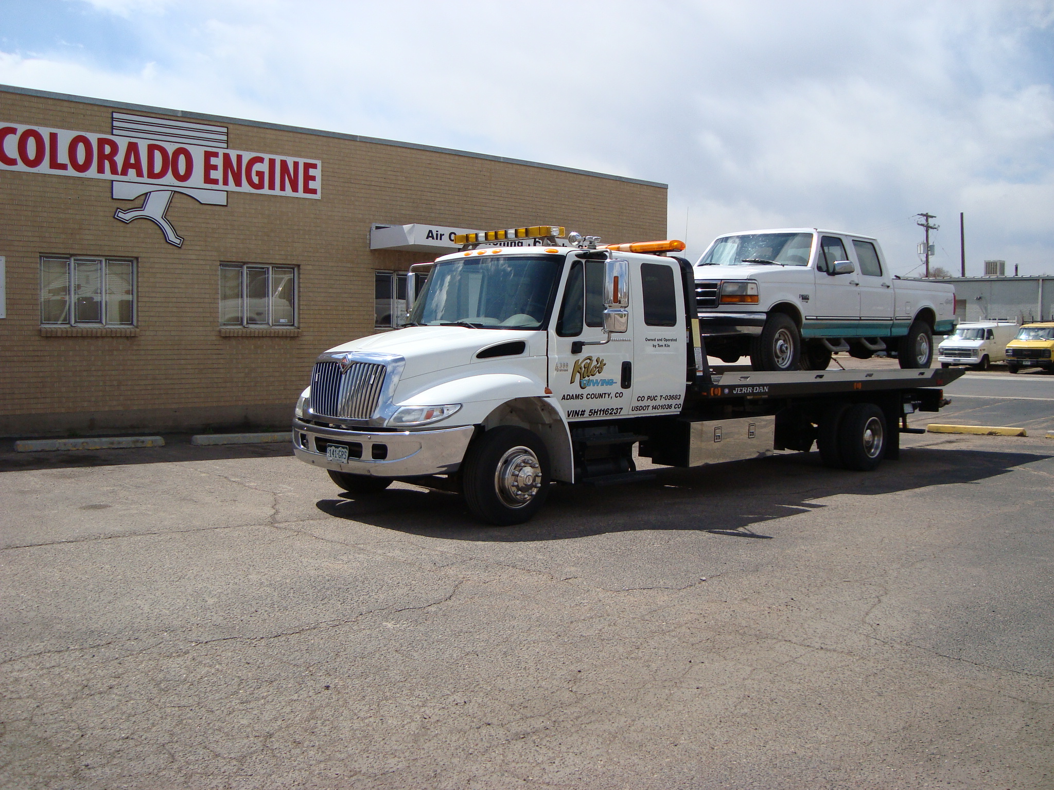 Kile's Towing image 21
