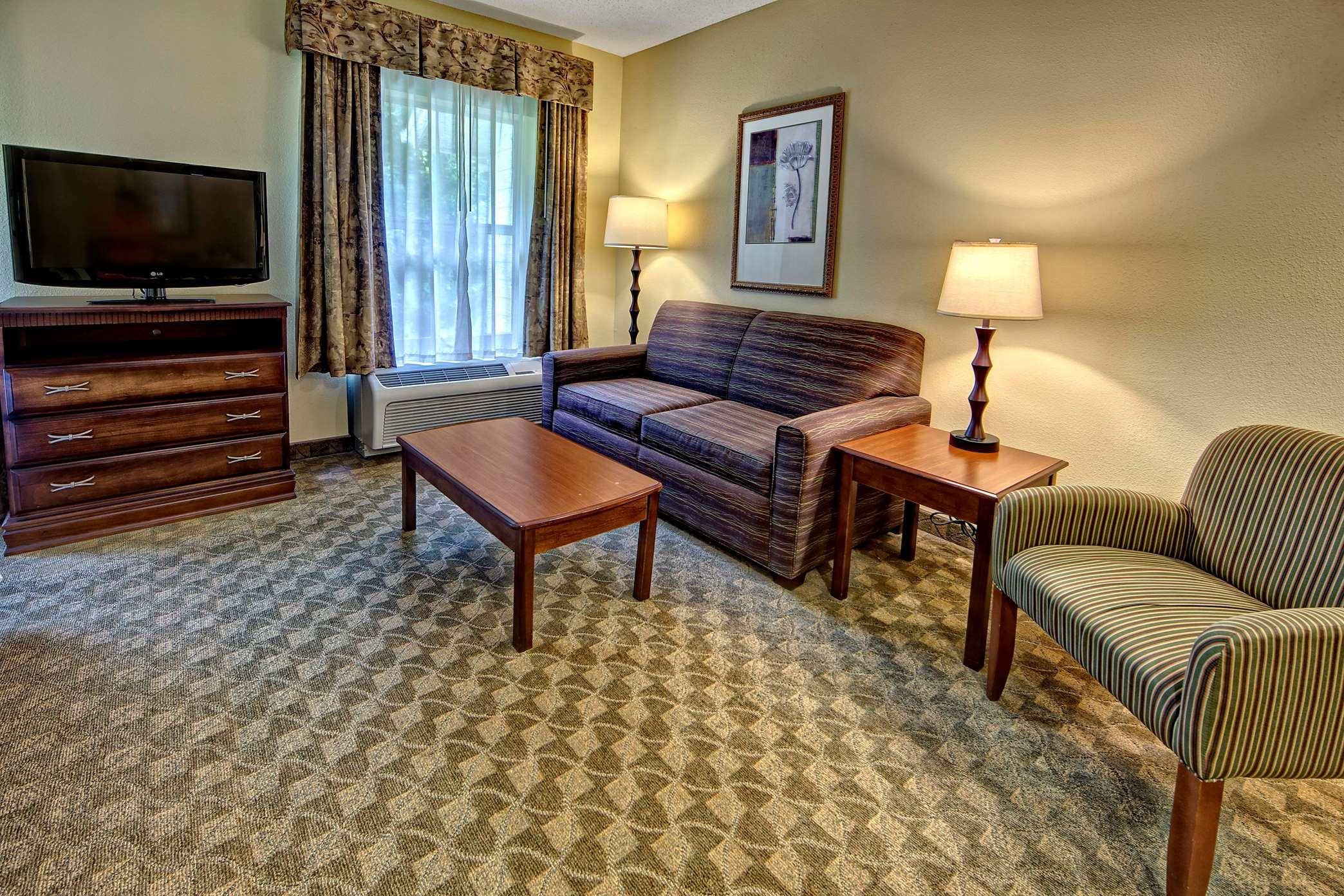 Hampton Inn & Suites Cashiers-Sapphire Valley image 27