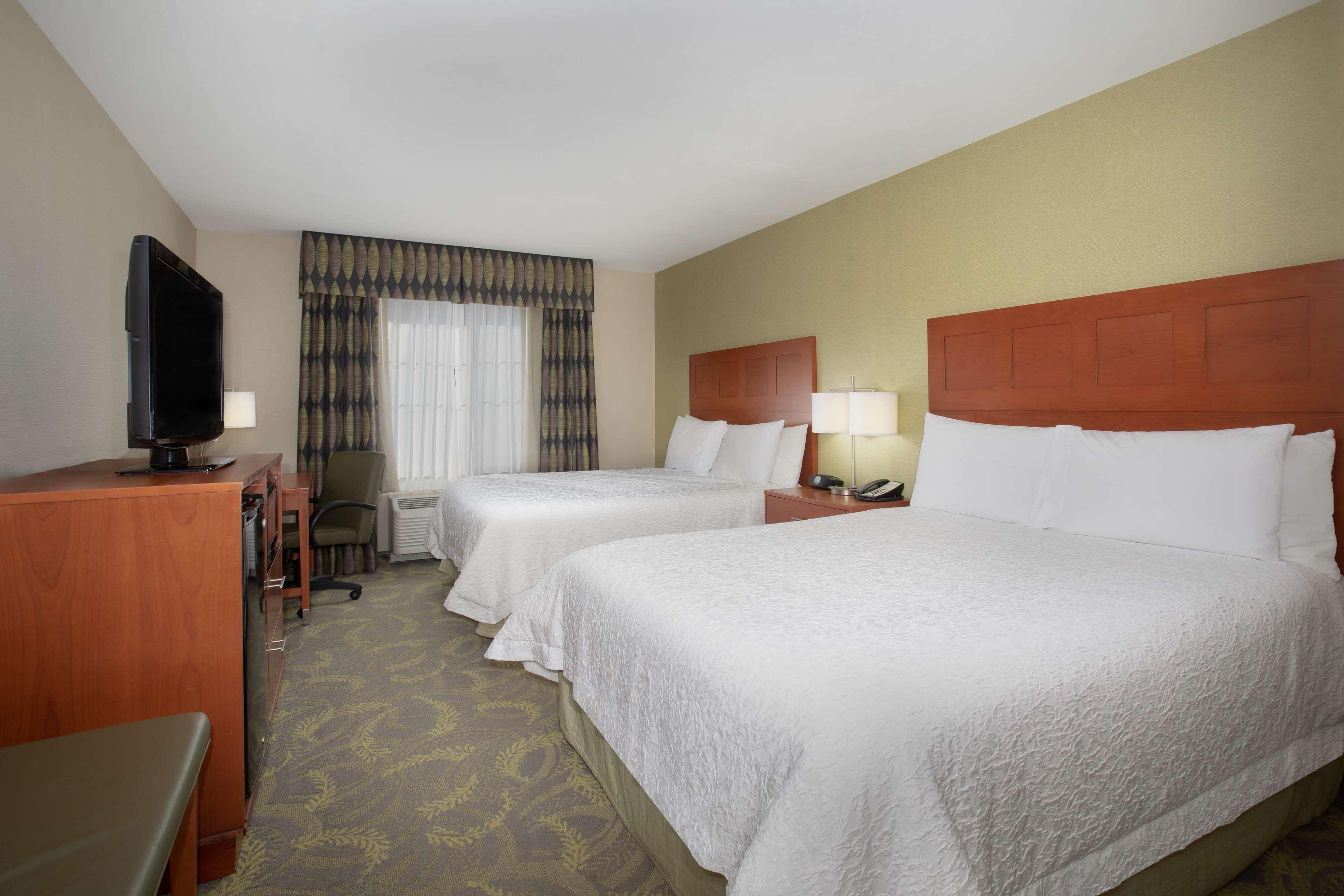 Hampton Inn & Suites Astoria image 49