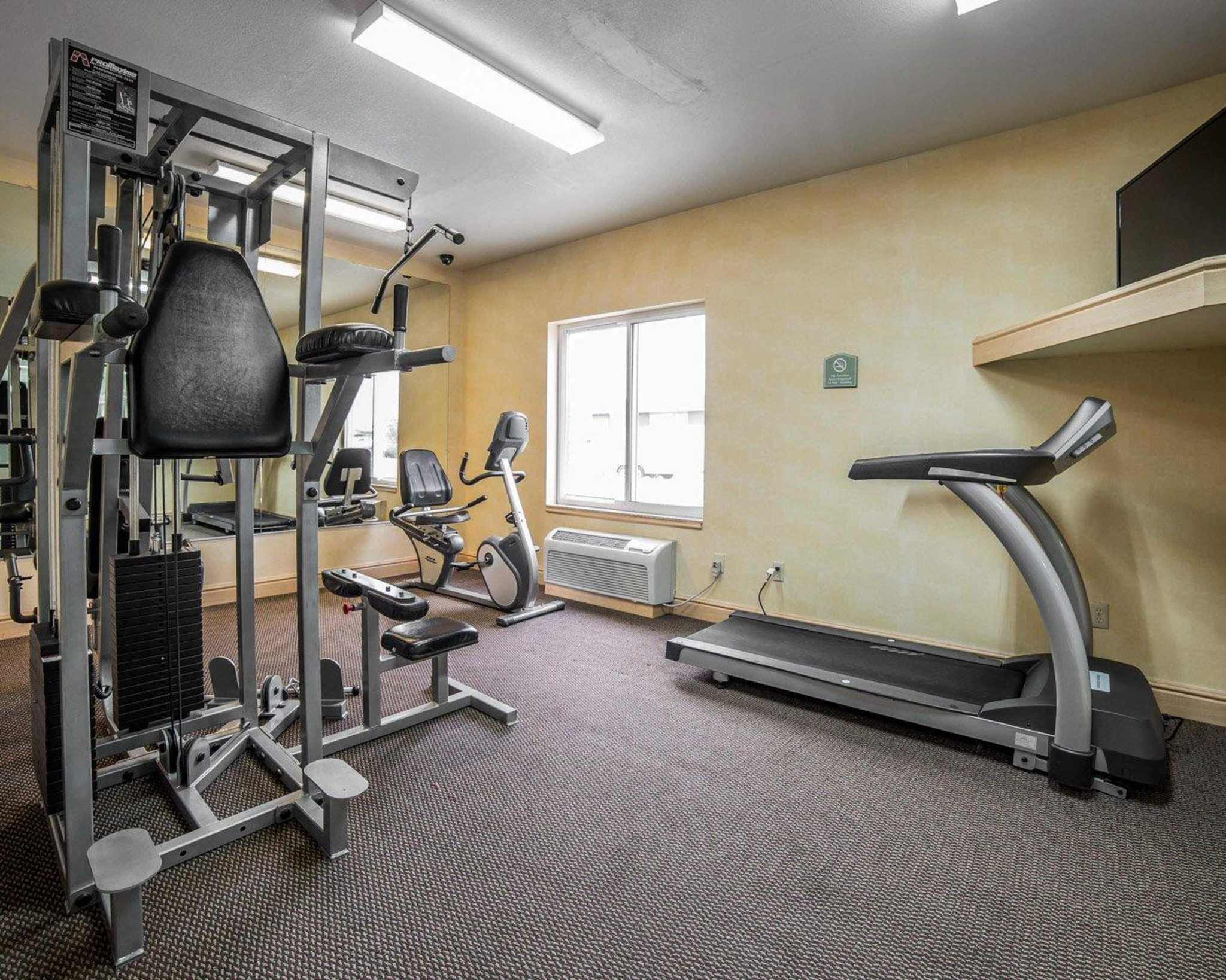 Comfort Inn & Suites image 23