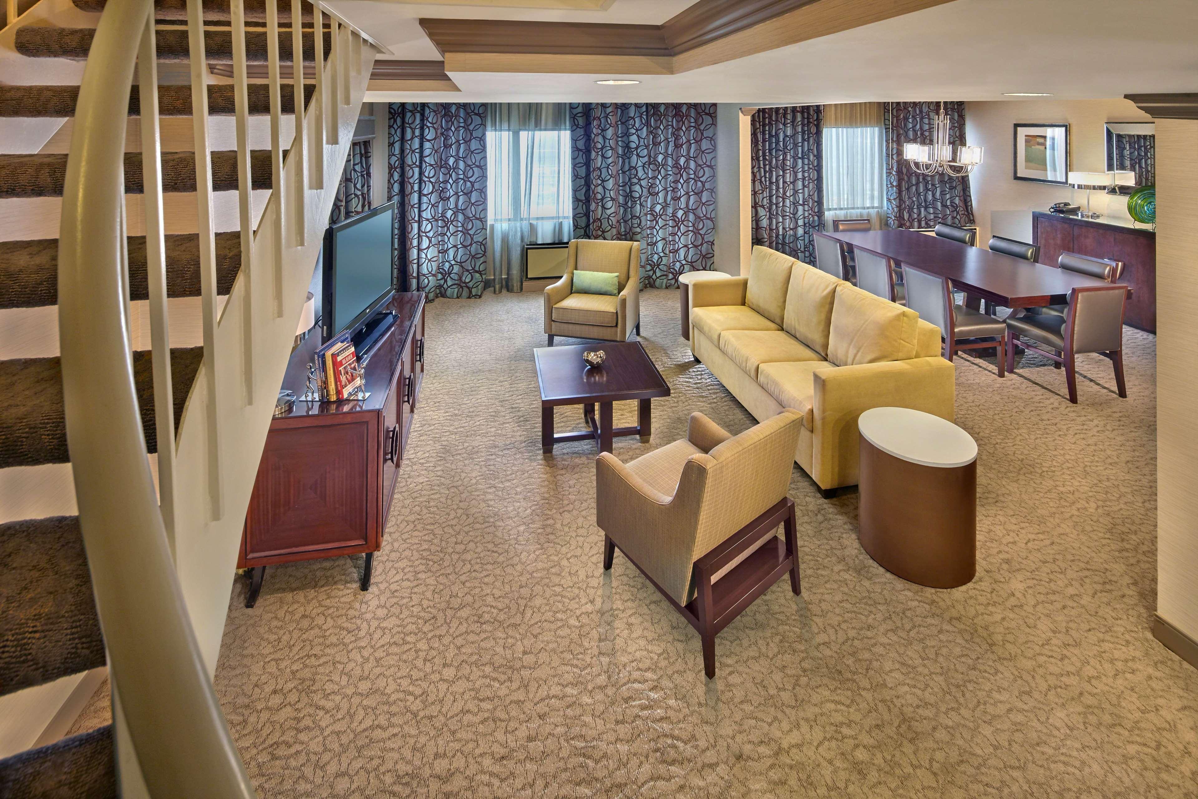 DoubleTree by Hilton Hotel Little Rock image 21